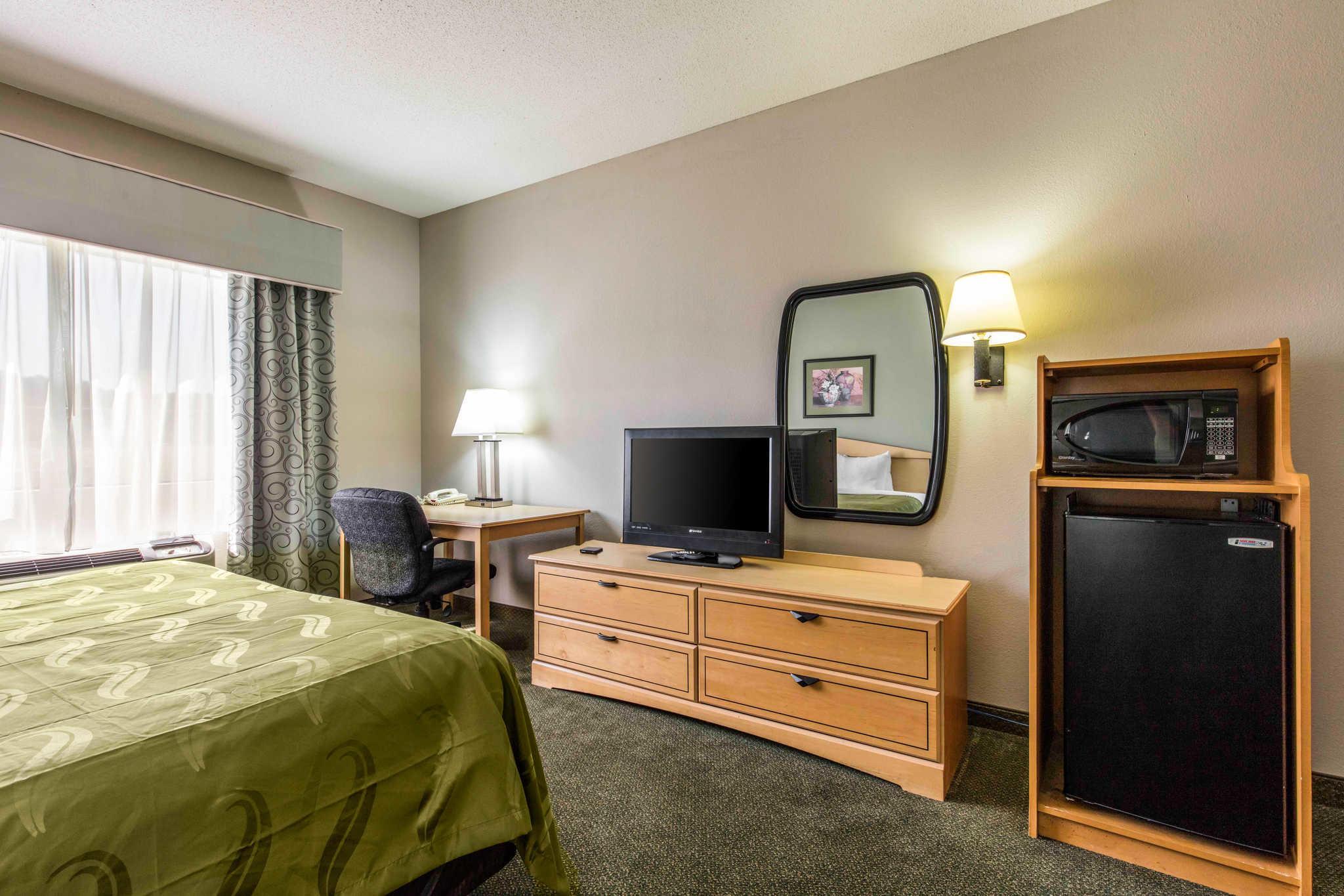 Quality Inn & Suites Jackson Int'l Airport image 22