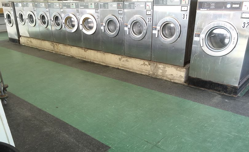 Tryon Mall Cleaning Center image 13
