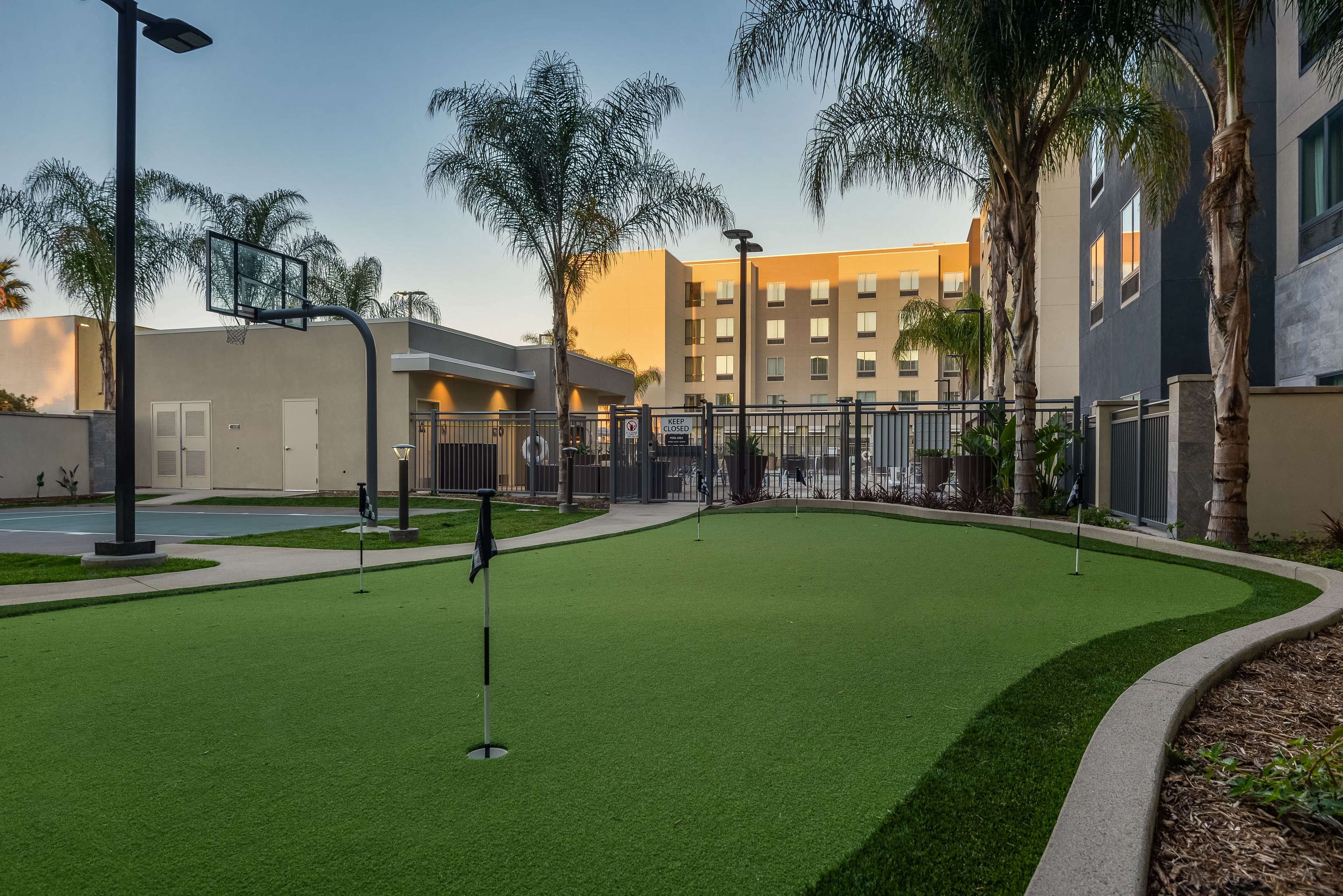 Homewood Suites by Hilton Anaheim Resort - Convention Center image 33