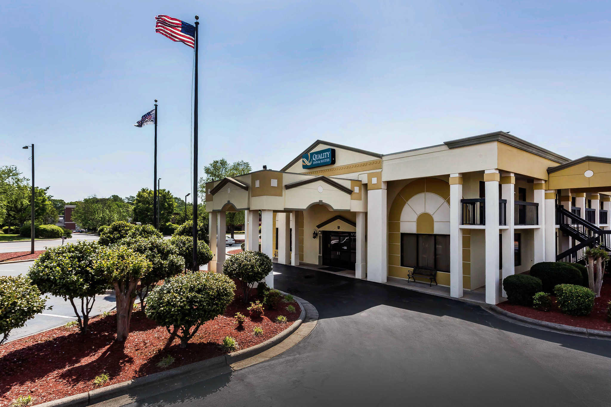 Quality Inn & Suites Mooresville-Lake Norman image 2