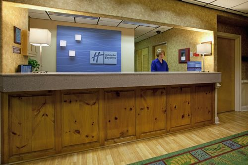 Holiday Inn Express Charleston-Moncks Corner - ad image