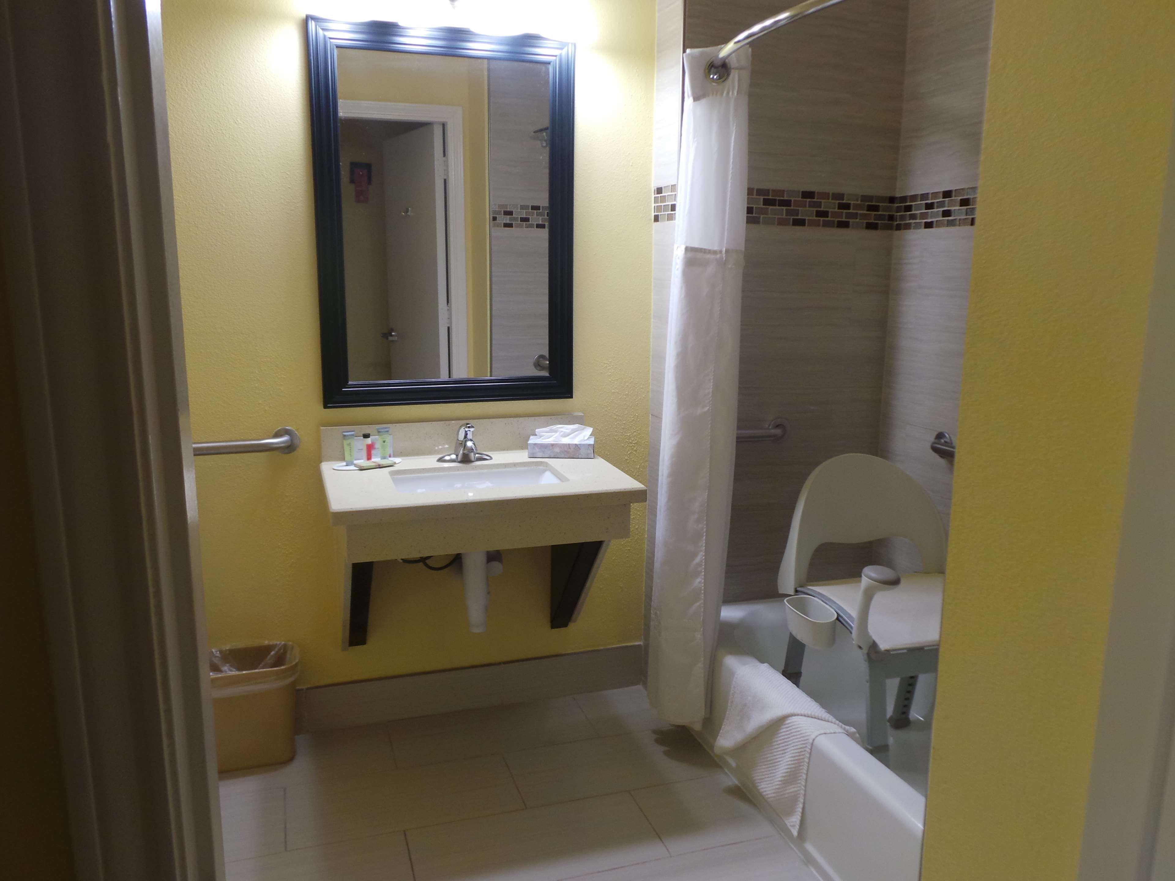 SureStay Plus Hotel by Best Western Alvin image 12