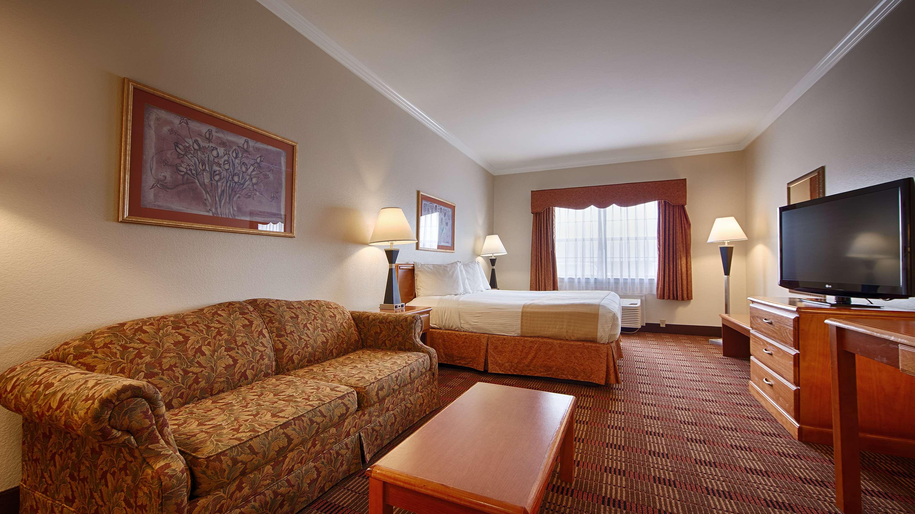 Best Western Club House Inn & Suites image 5