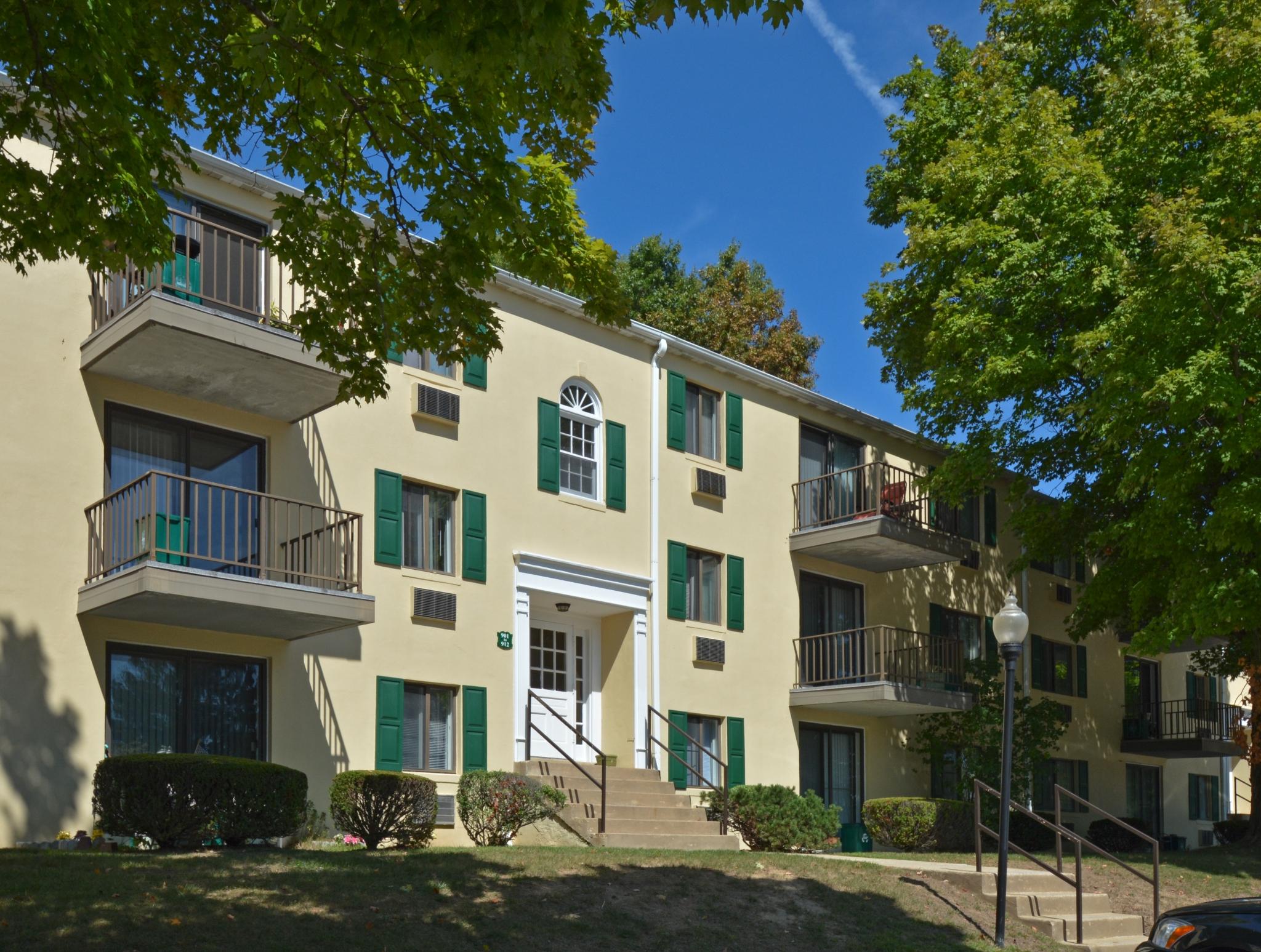 Norwood House Apartments image 5