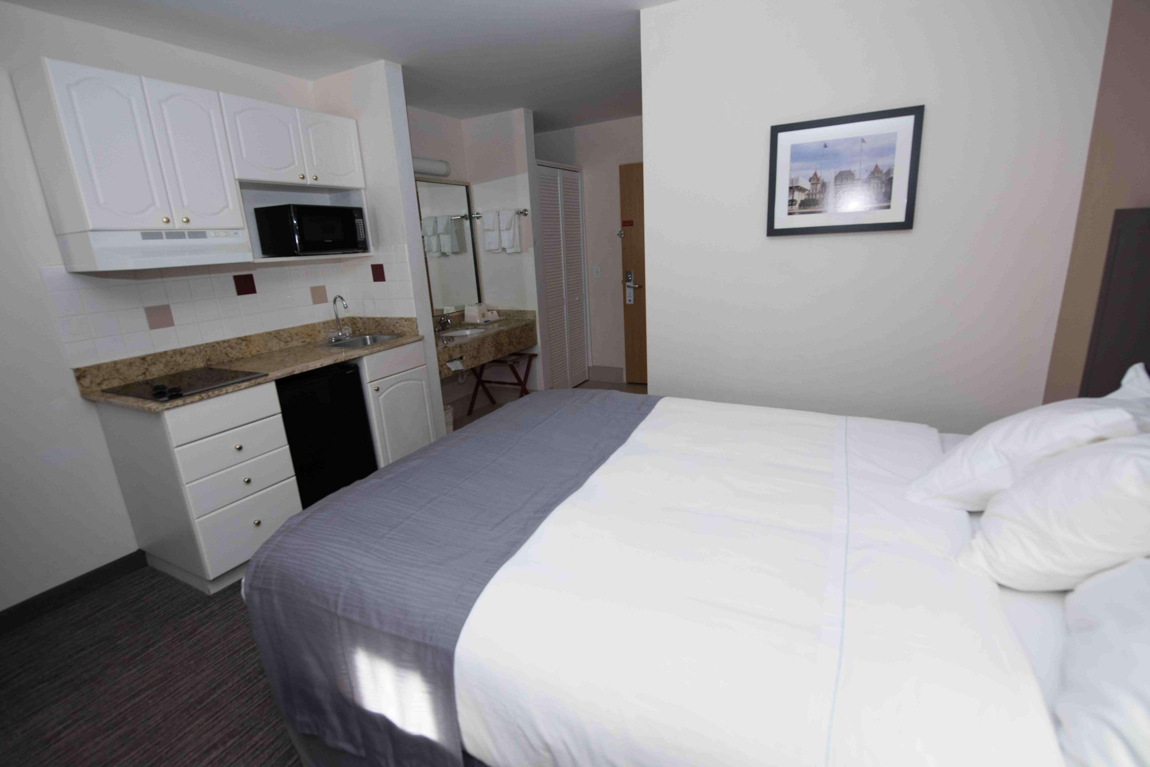 Best Western New Baltimore Inn image 22