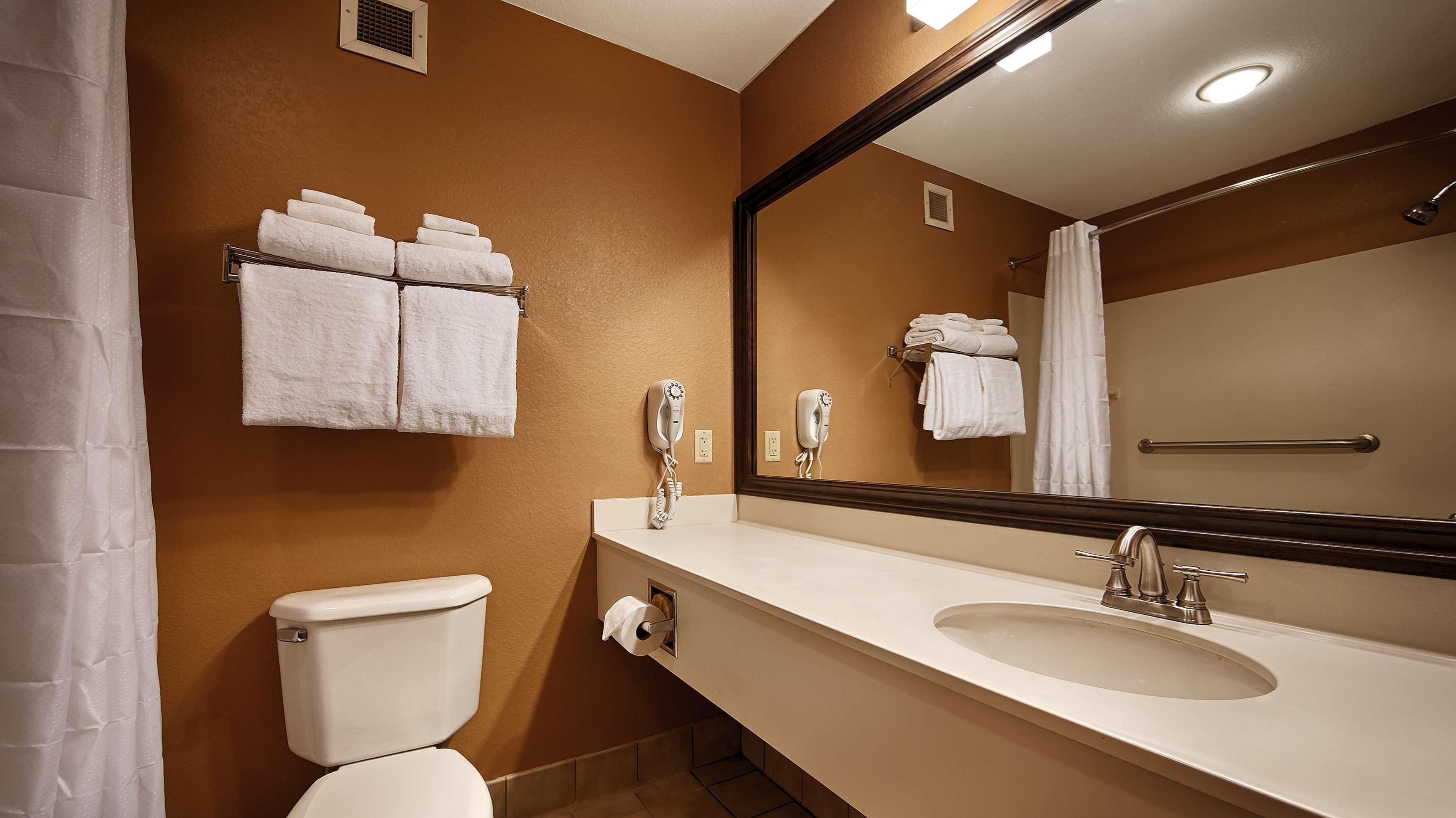 Best Western Plus Brandywine Inn & Suites image 12