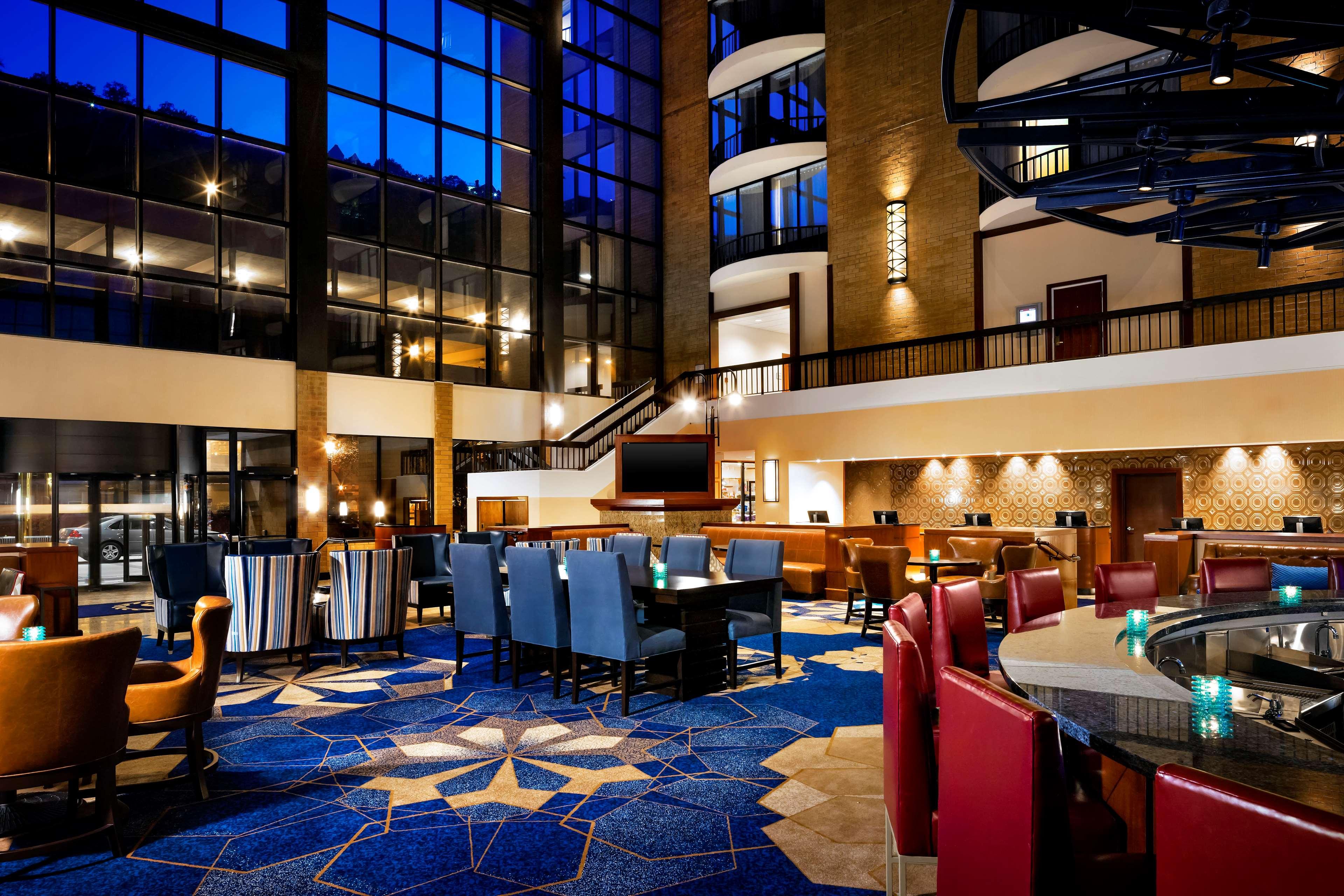 Sheraton Pittsburgh Hotel at Station Square image 3
