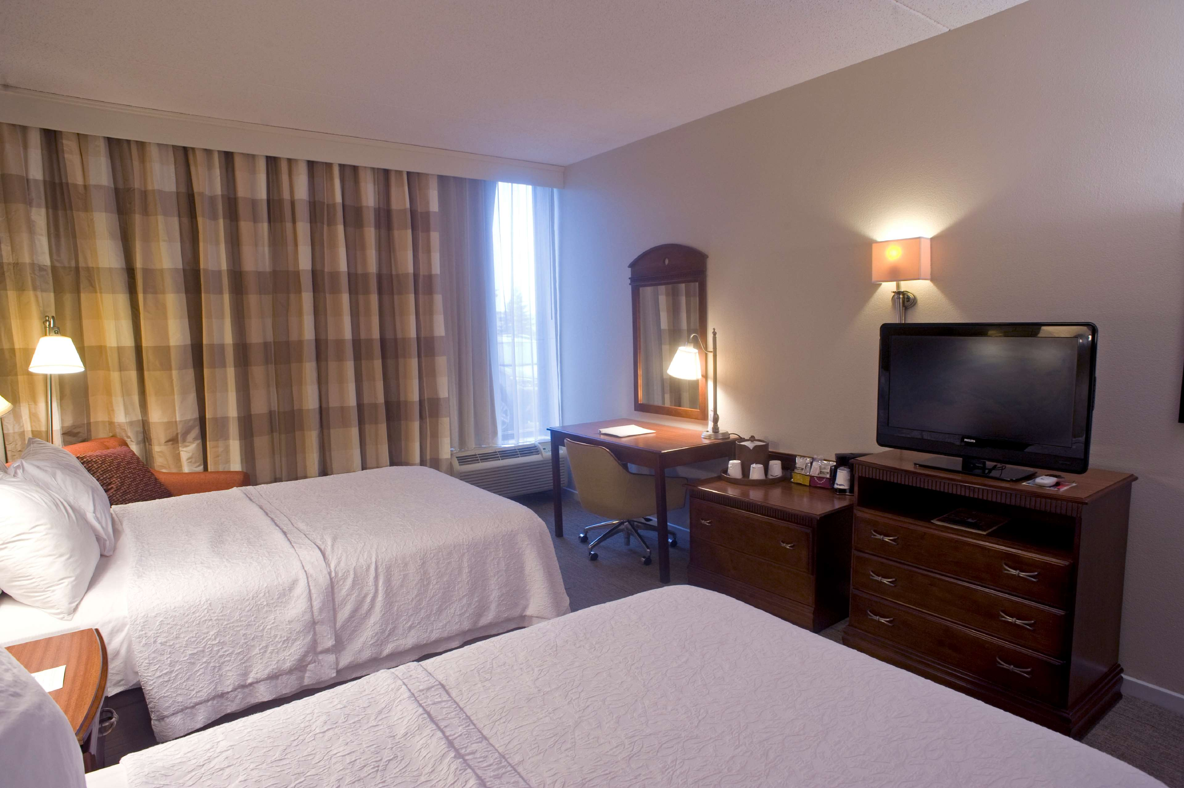 Hampton Inn Springfield-South image 15