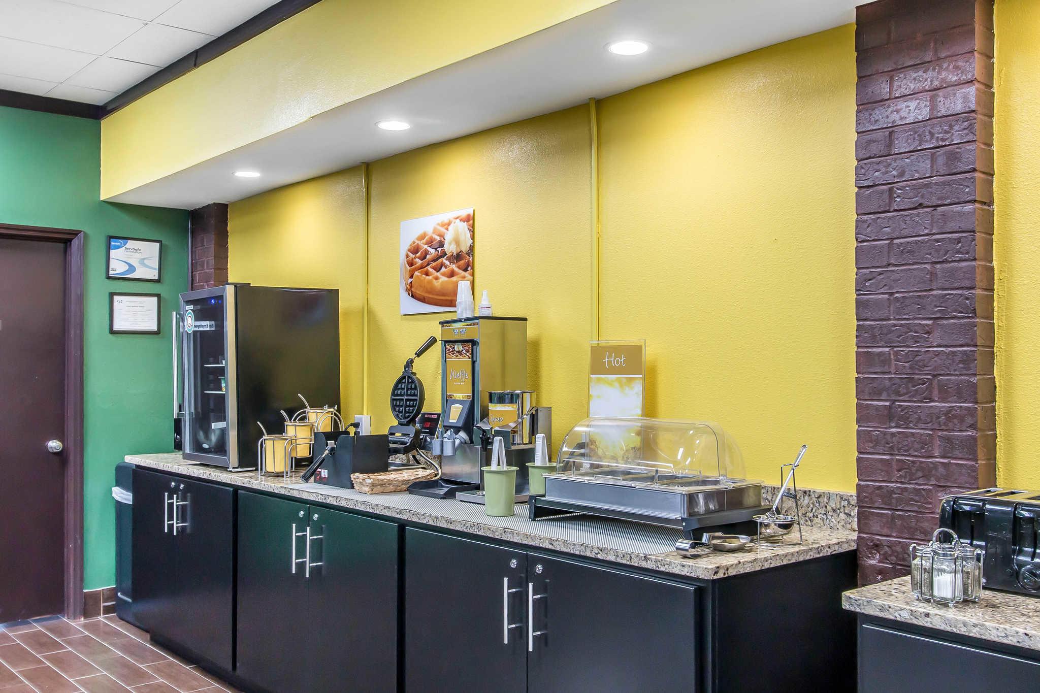 Quality Inn Hinesville - Fort Stewart Area image 20