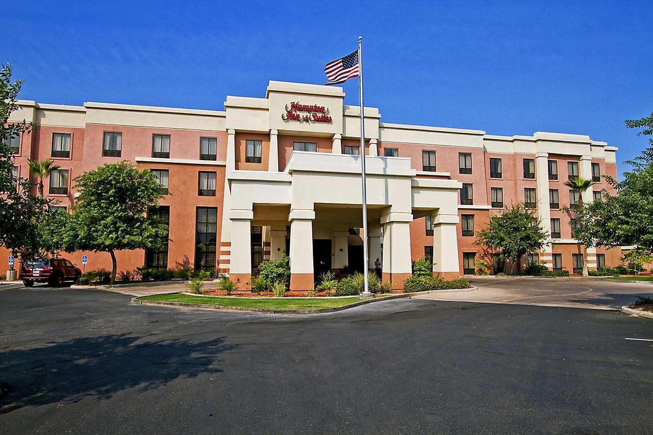 Hampton Inn & Suites Yuma image 2