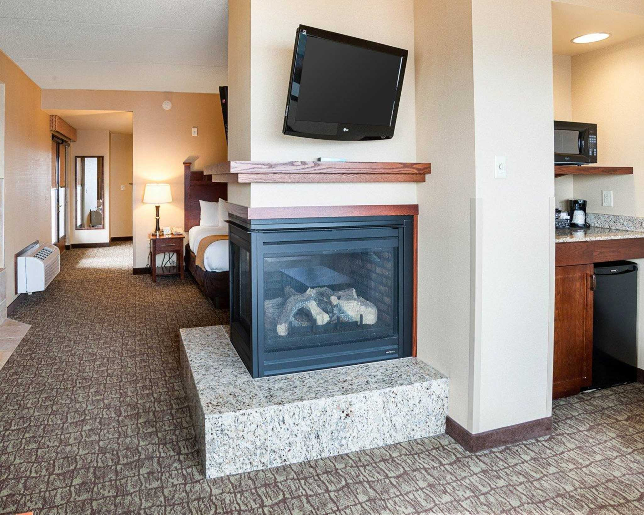 Comfort Suites Canal Park image 32