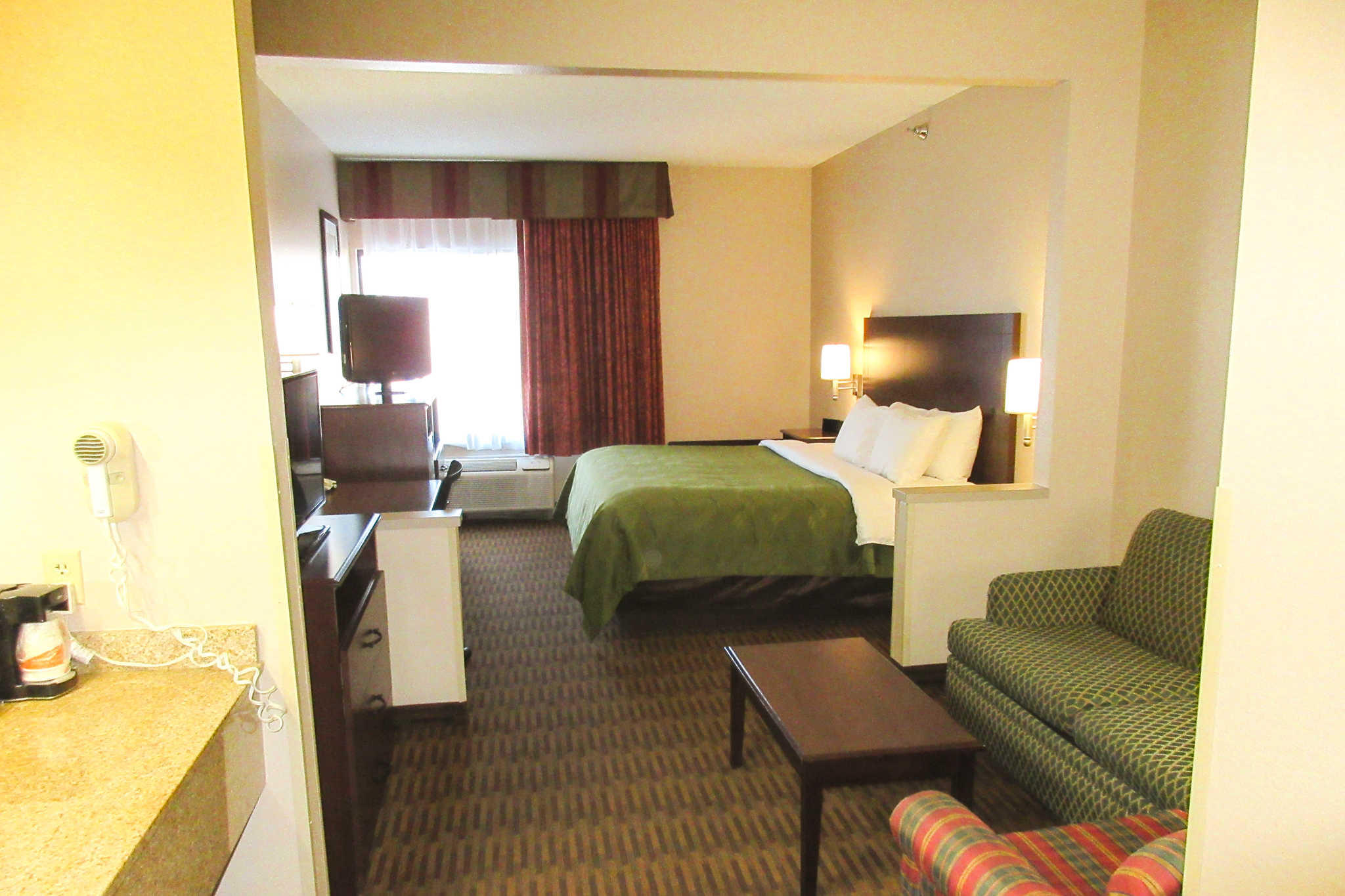Quality Inn & Suites Lawrence - University Area image 21