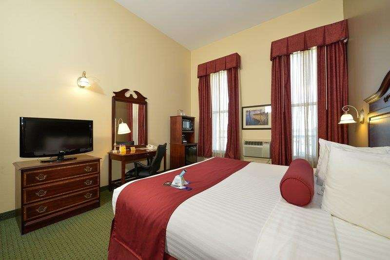 Best Western The Hotel Chequamegon image 4