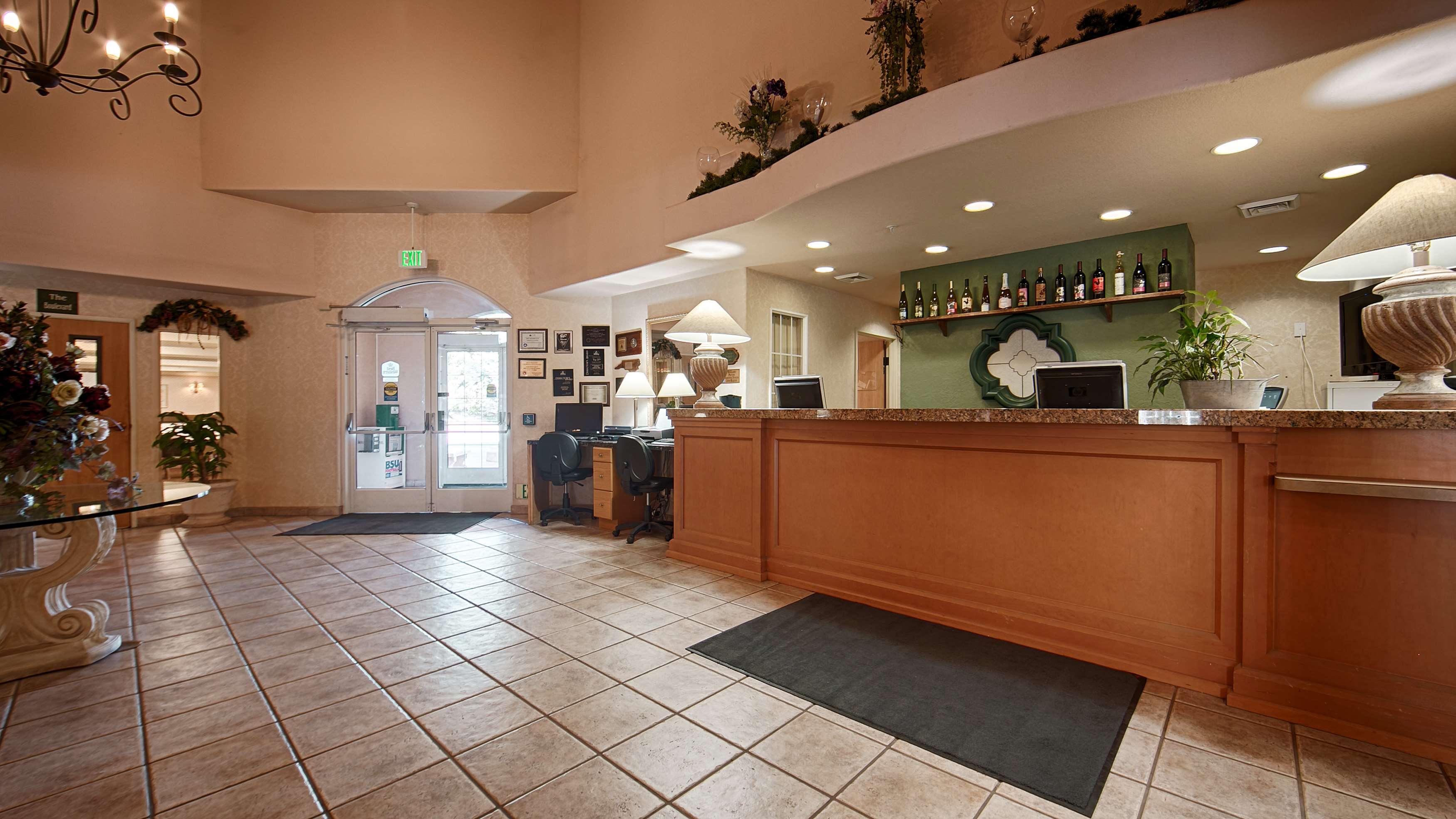 Best Western Plus Caldwell Inn & Suites image 6