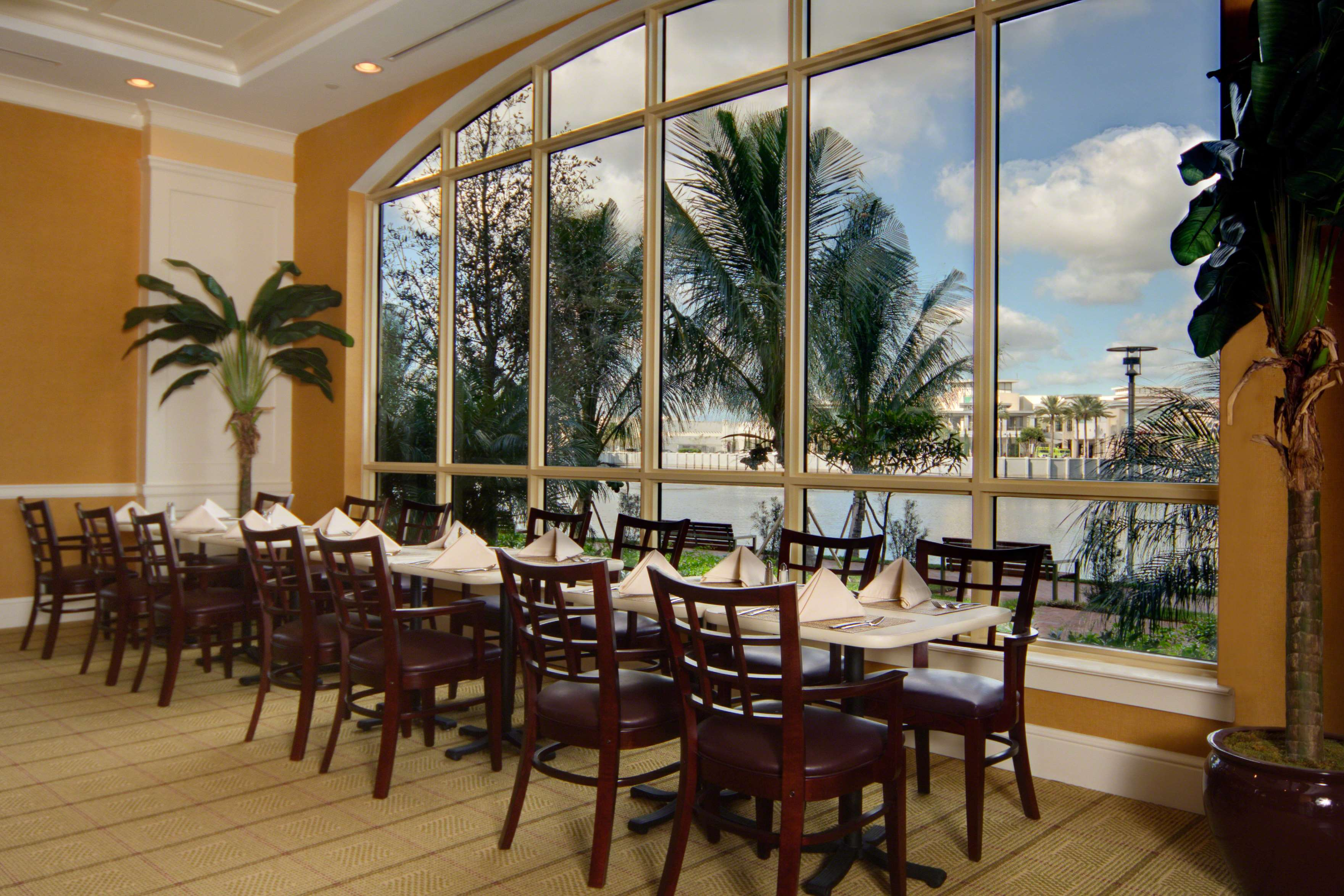 Hilton Garden Inn Palm Beach Gardens image 8