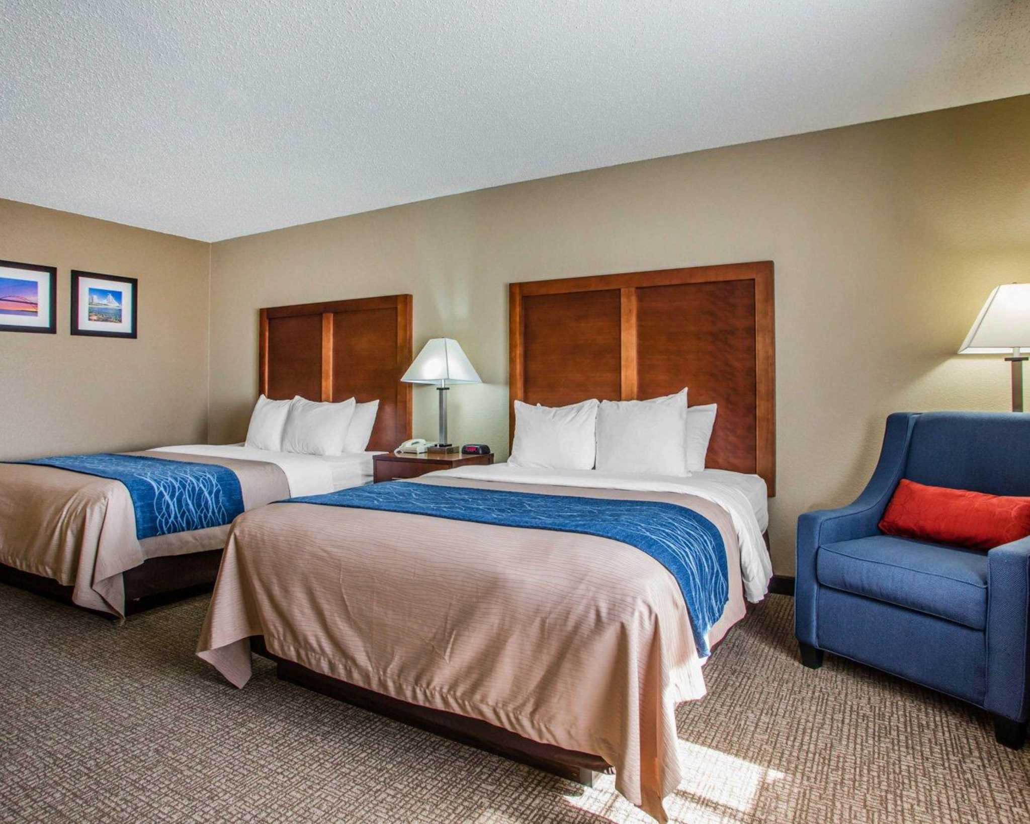 Comfort Inn & Suites Jackson - West Bend image 7