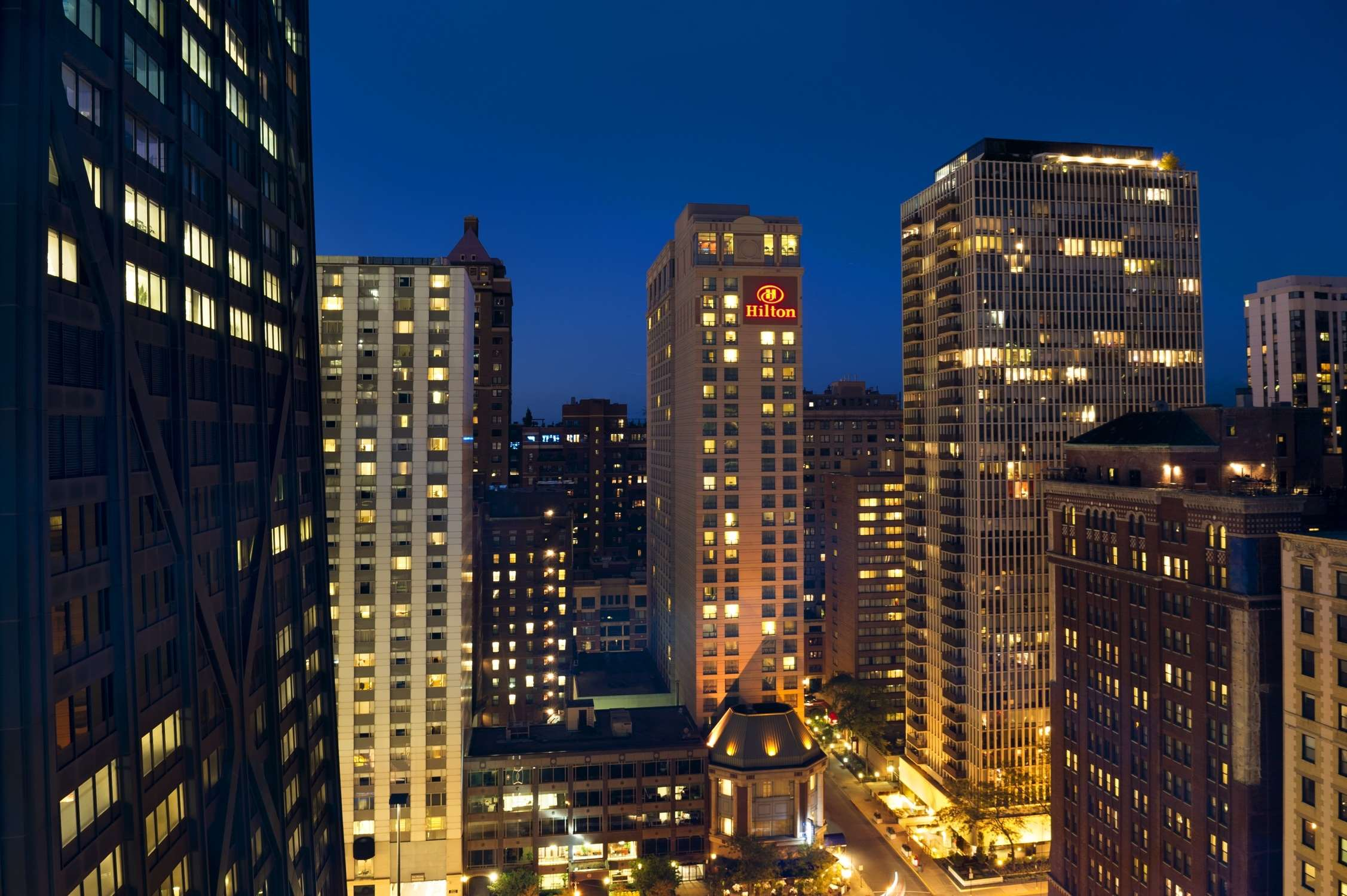 Hilton Chicago/Magnificent Mile Suites