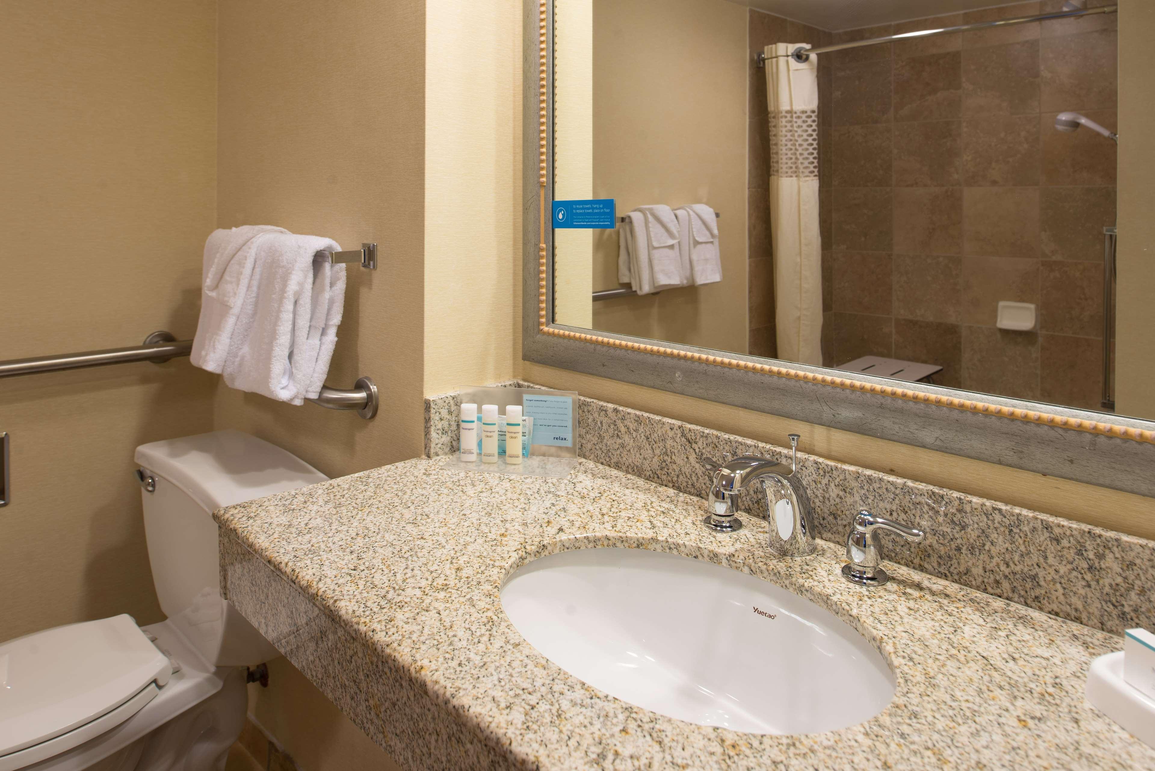 Hampton Inn & Suites Charlotte-Arrowood Rd. image 49