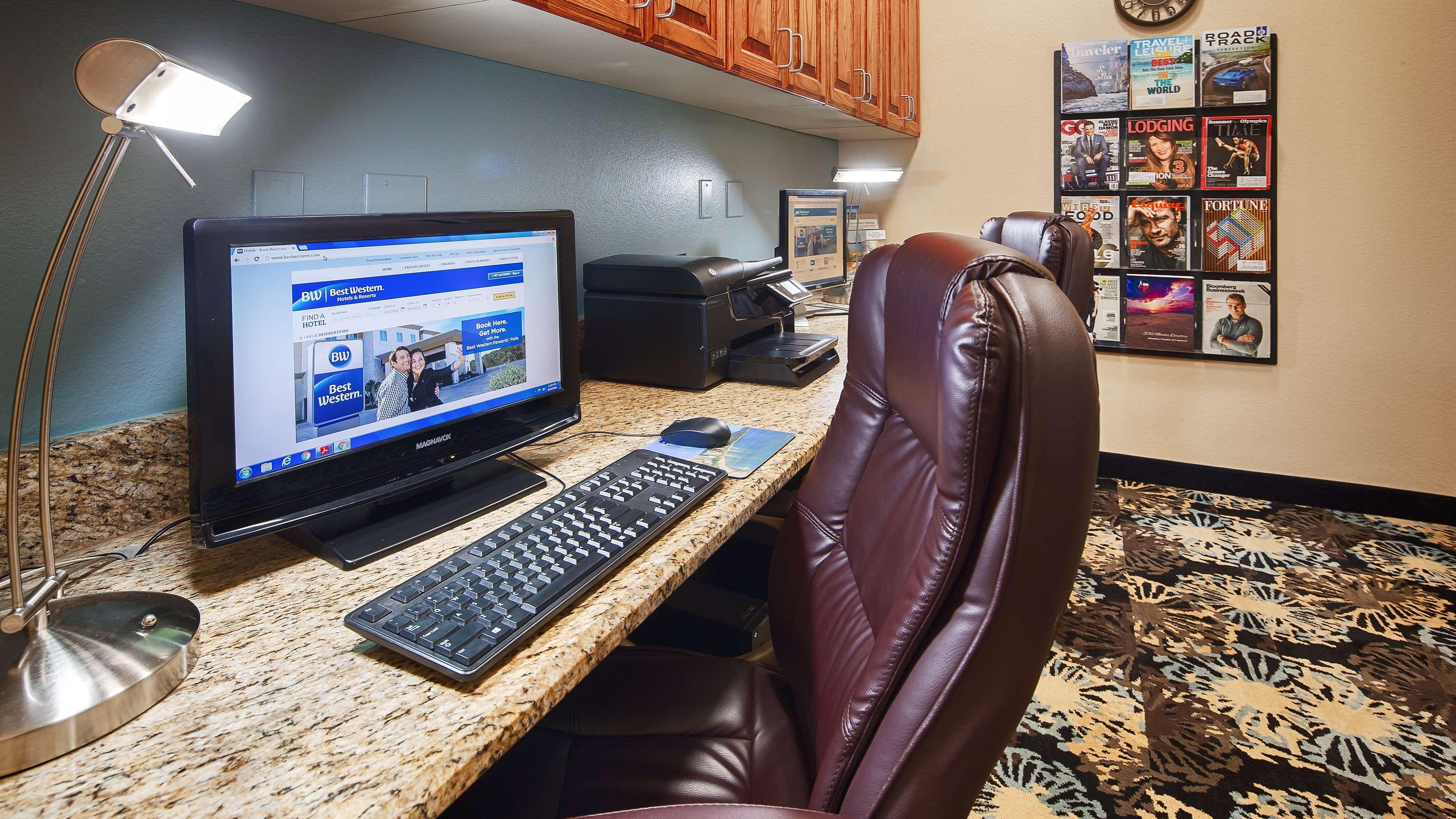Best Western Plus Monahans Inn & Suites image 11
