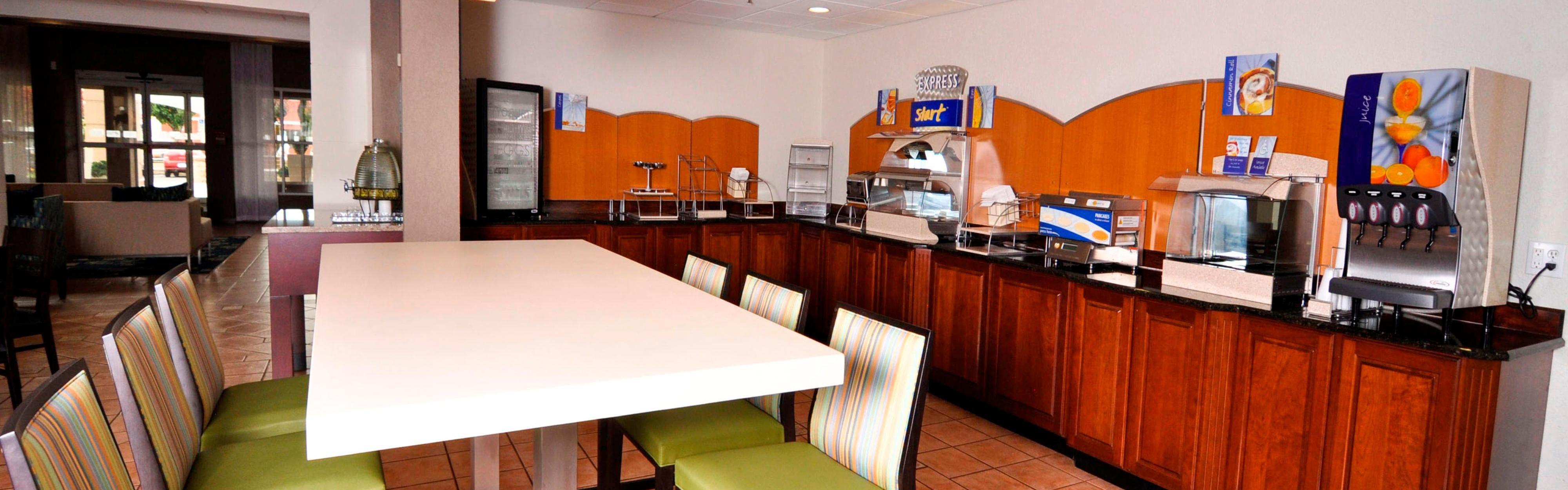 Holiday Inn Express & Suites Port Clinton-Catawba Island image 3