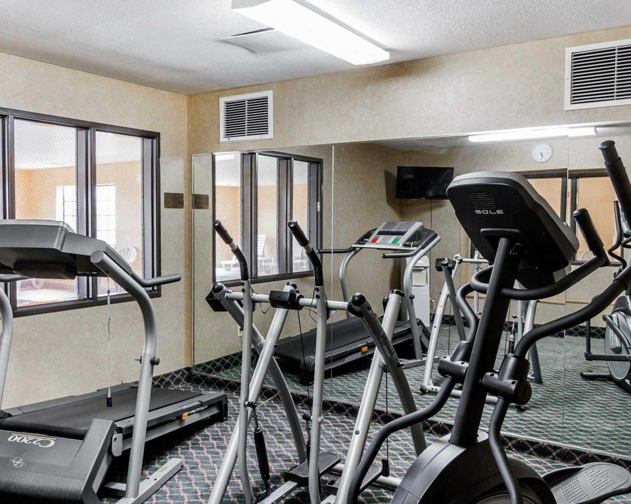 Quality Inn & Suites Surprise Near Sun City West image 40