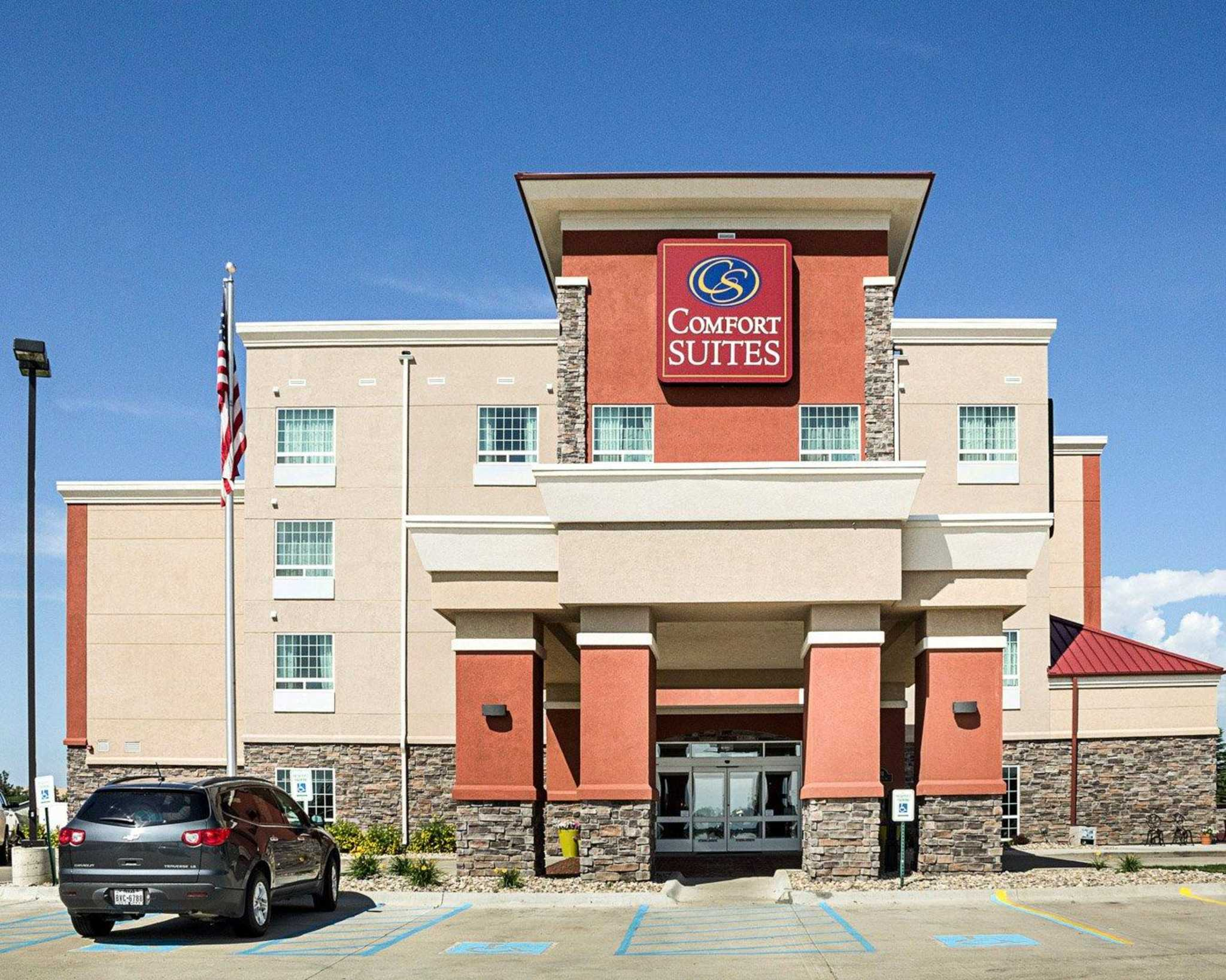 Hotels Minot Nd Near Airport