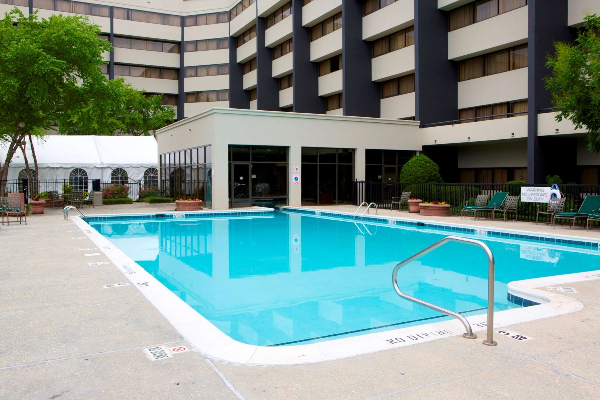 DoubleTree Suites by Hilton Hotel Raleigh - Durham image 3