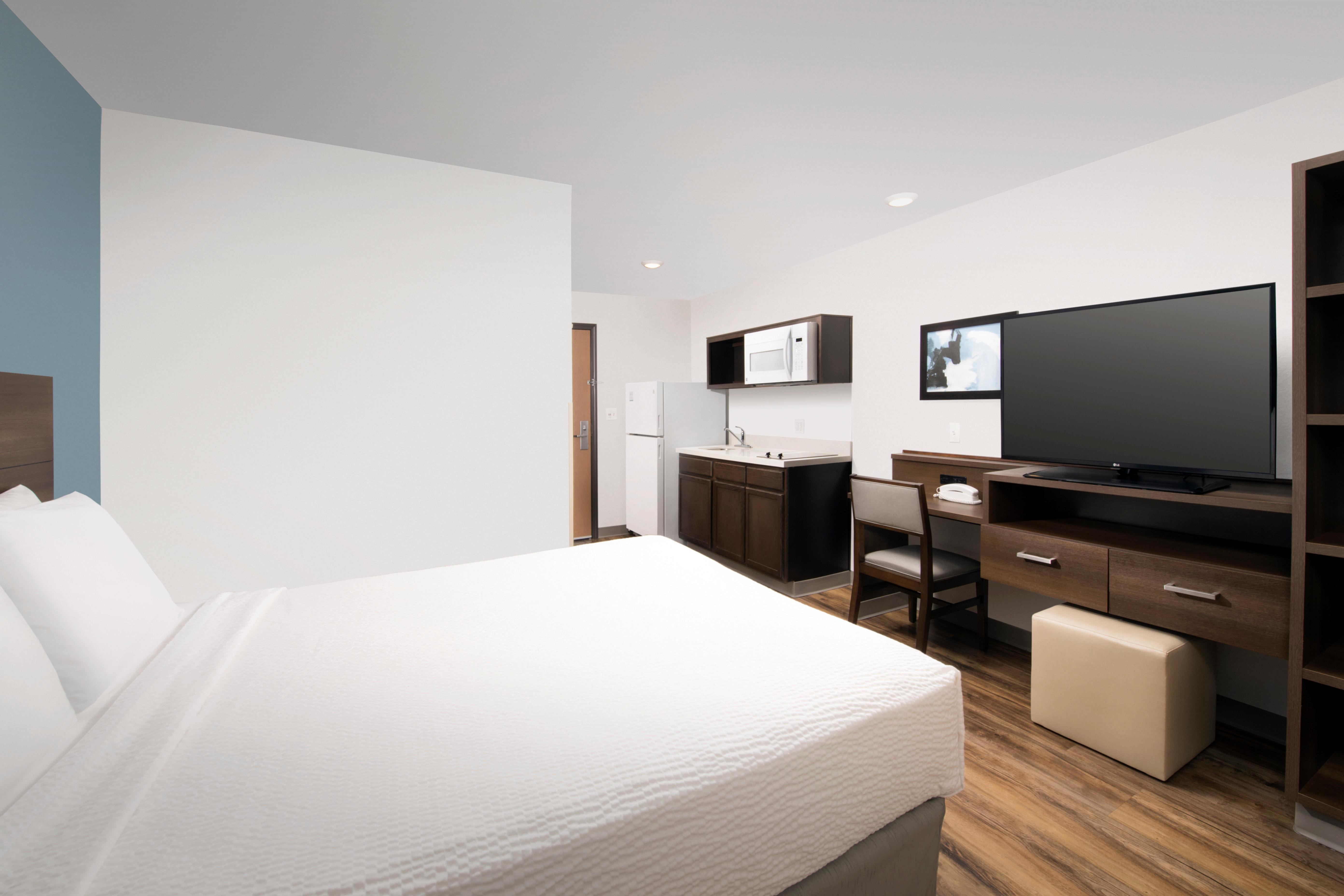 WoodSpring Suites Clearwater image 13
