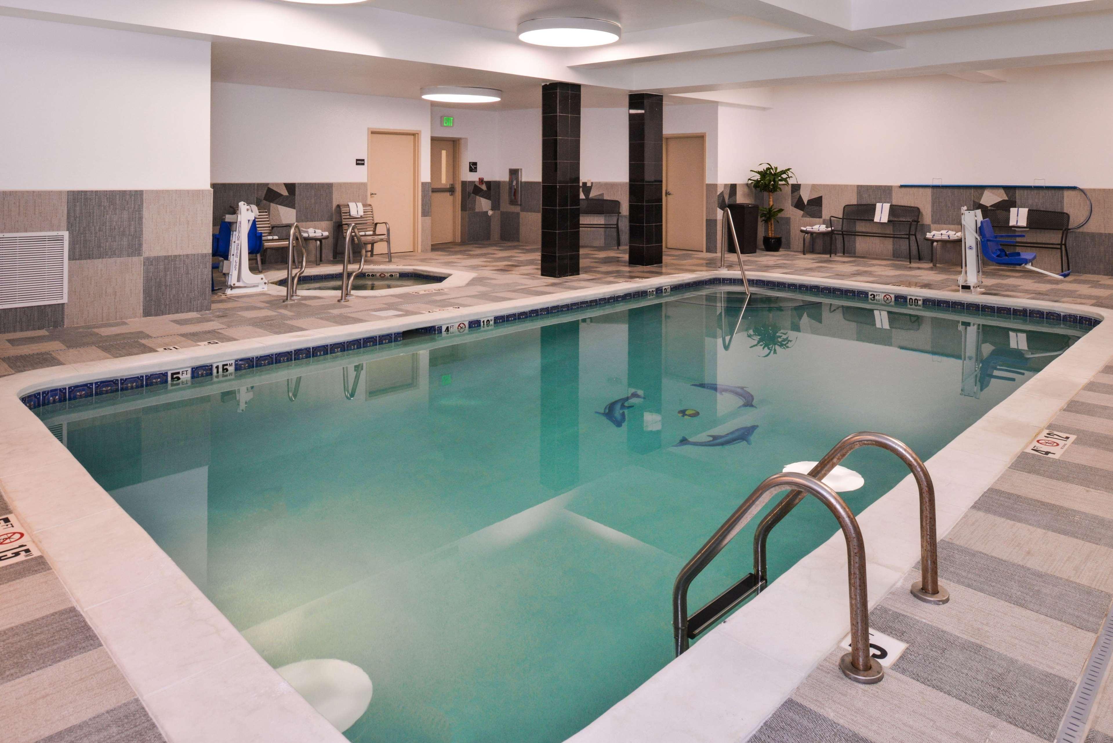 Hampton Inn & Suites Denver-Speer Boulevard image 21