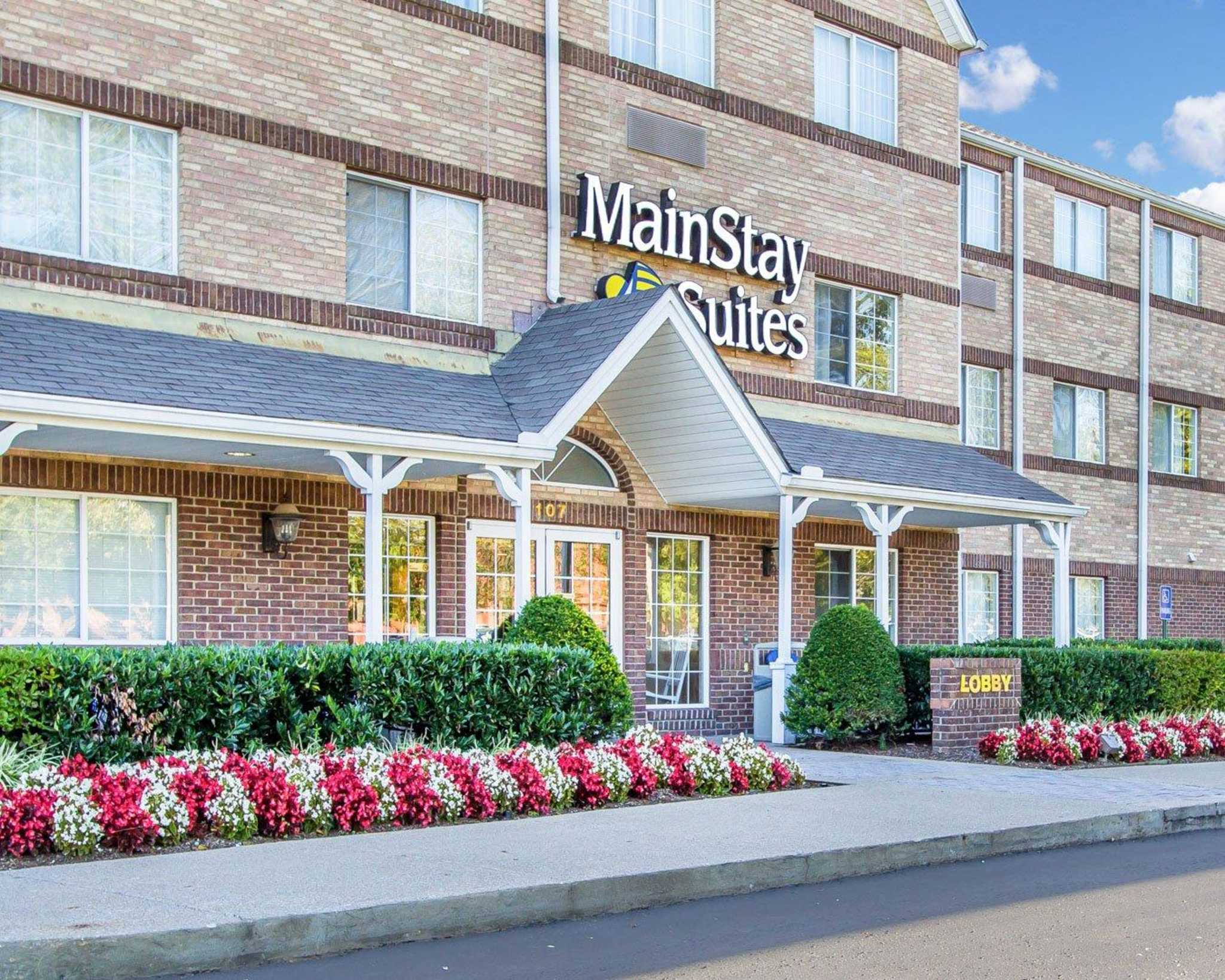 MainStay Suites image 2