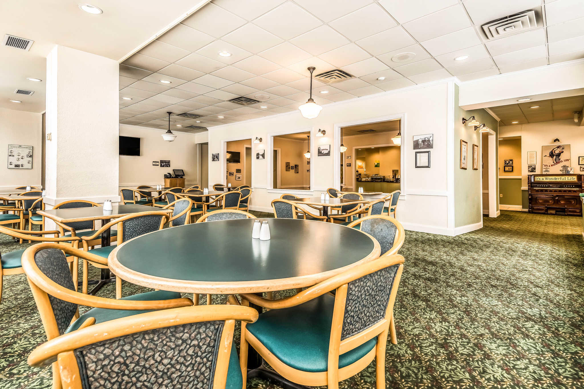 Quality Inn near Finger Lakes and Seneca Falls image 24