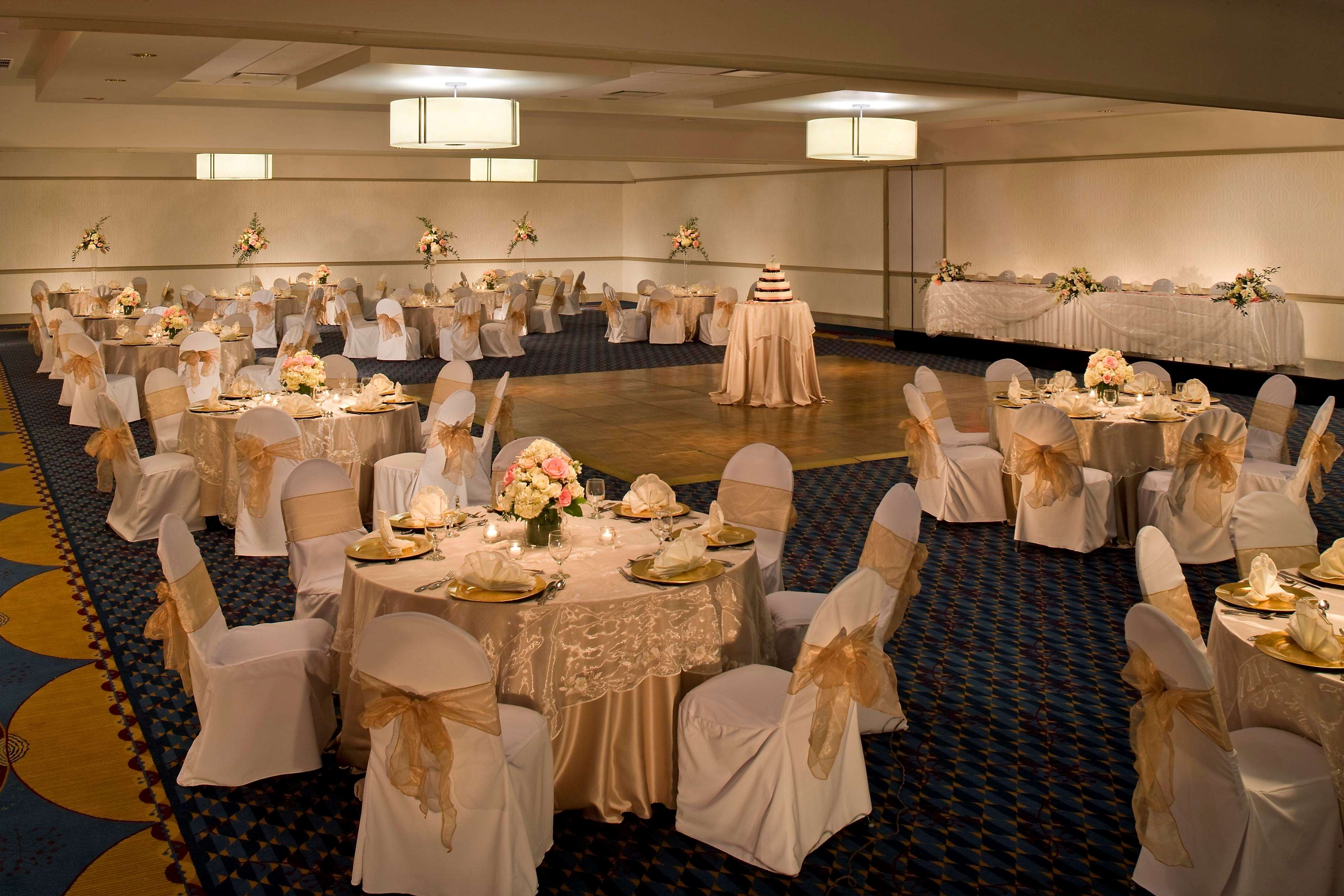 DoubleTree by Hilton Hotel Pittsburgh - Monroeville Convention Center image 21