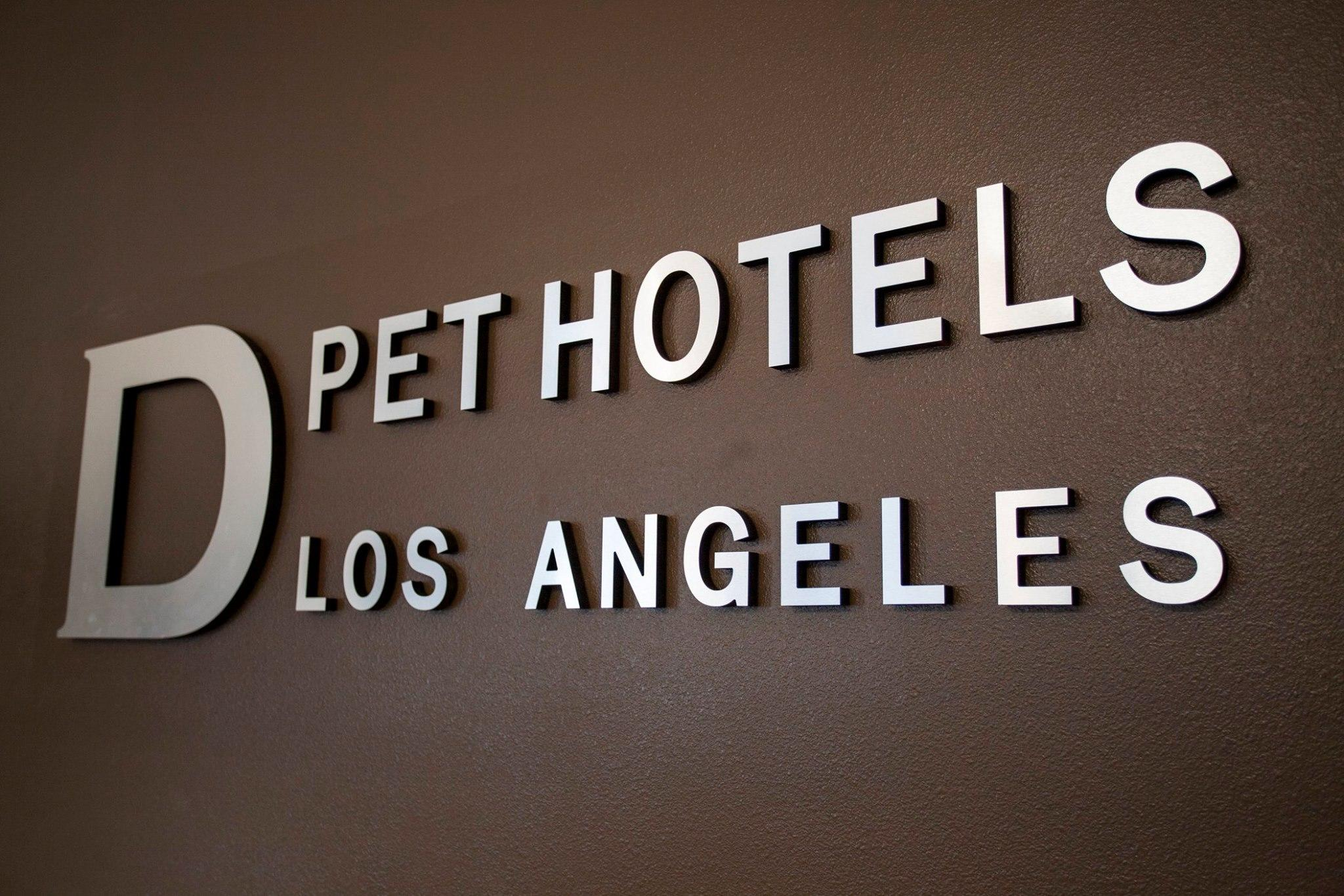 D Pet Hotels Los Angeles image 0