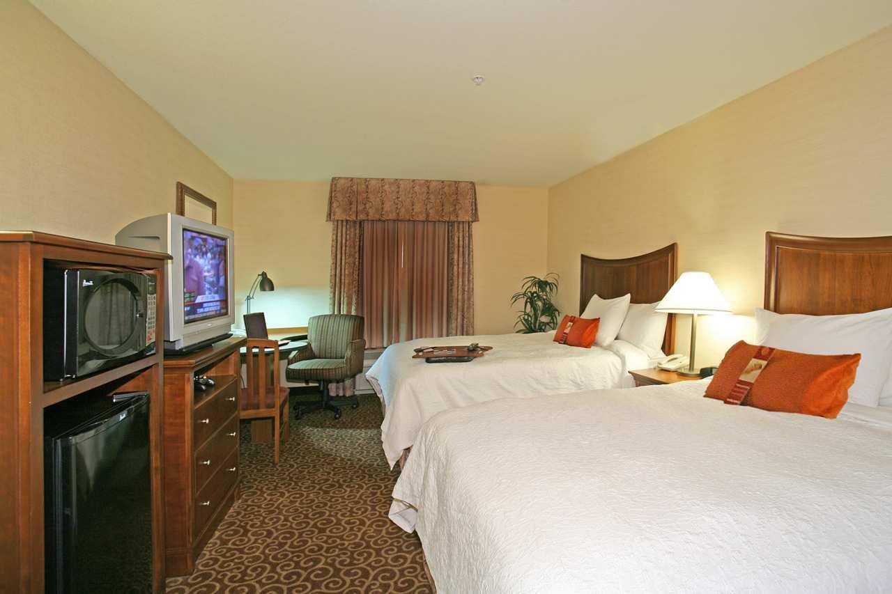 Hampton Inn & Suites Phoenix-Surprise image 5