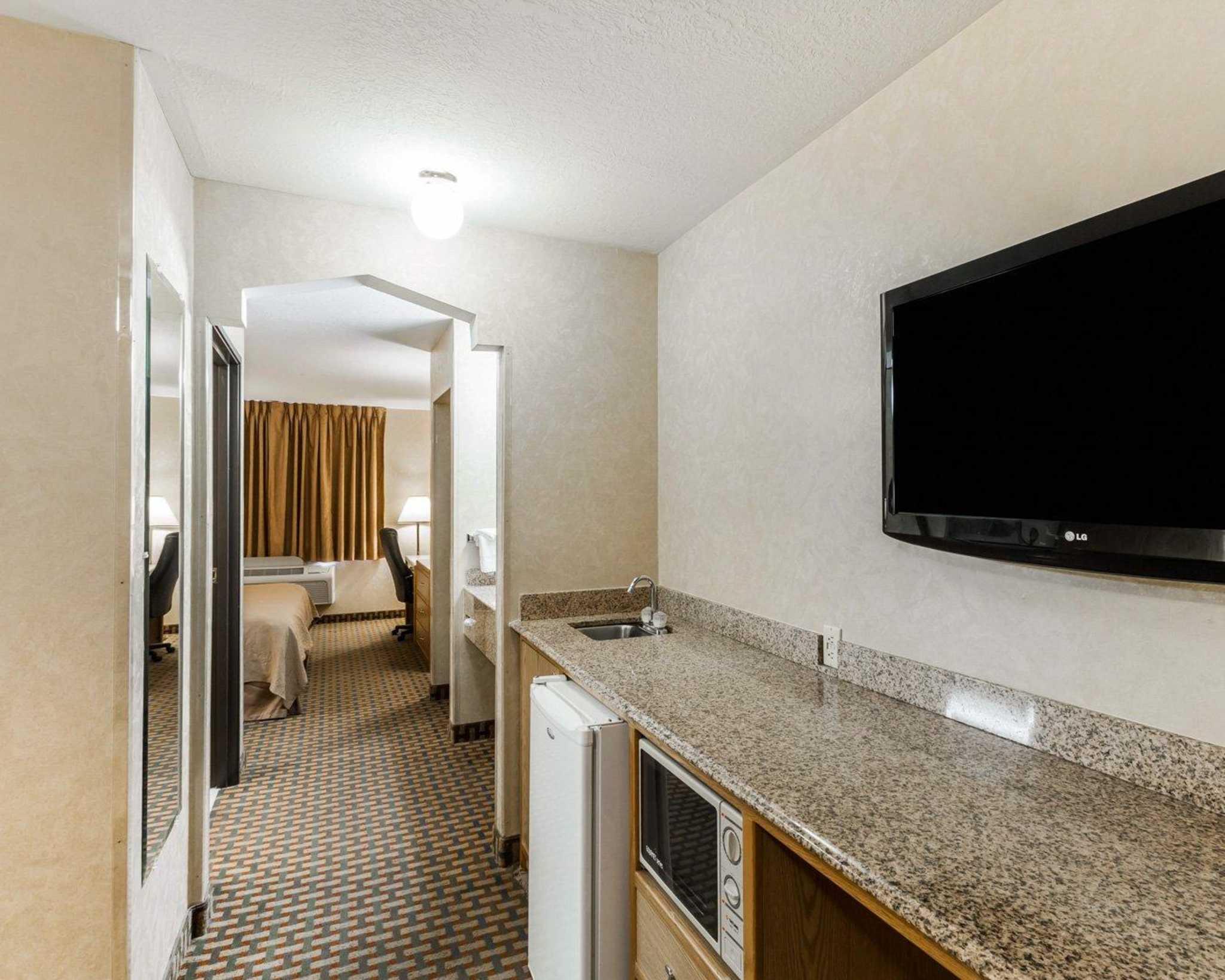 Quality Inn & Suites Surprise Near Sun City West image 34