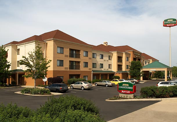 Courtyard by Marriott Cleveland Willoughby image 9