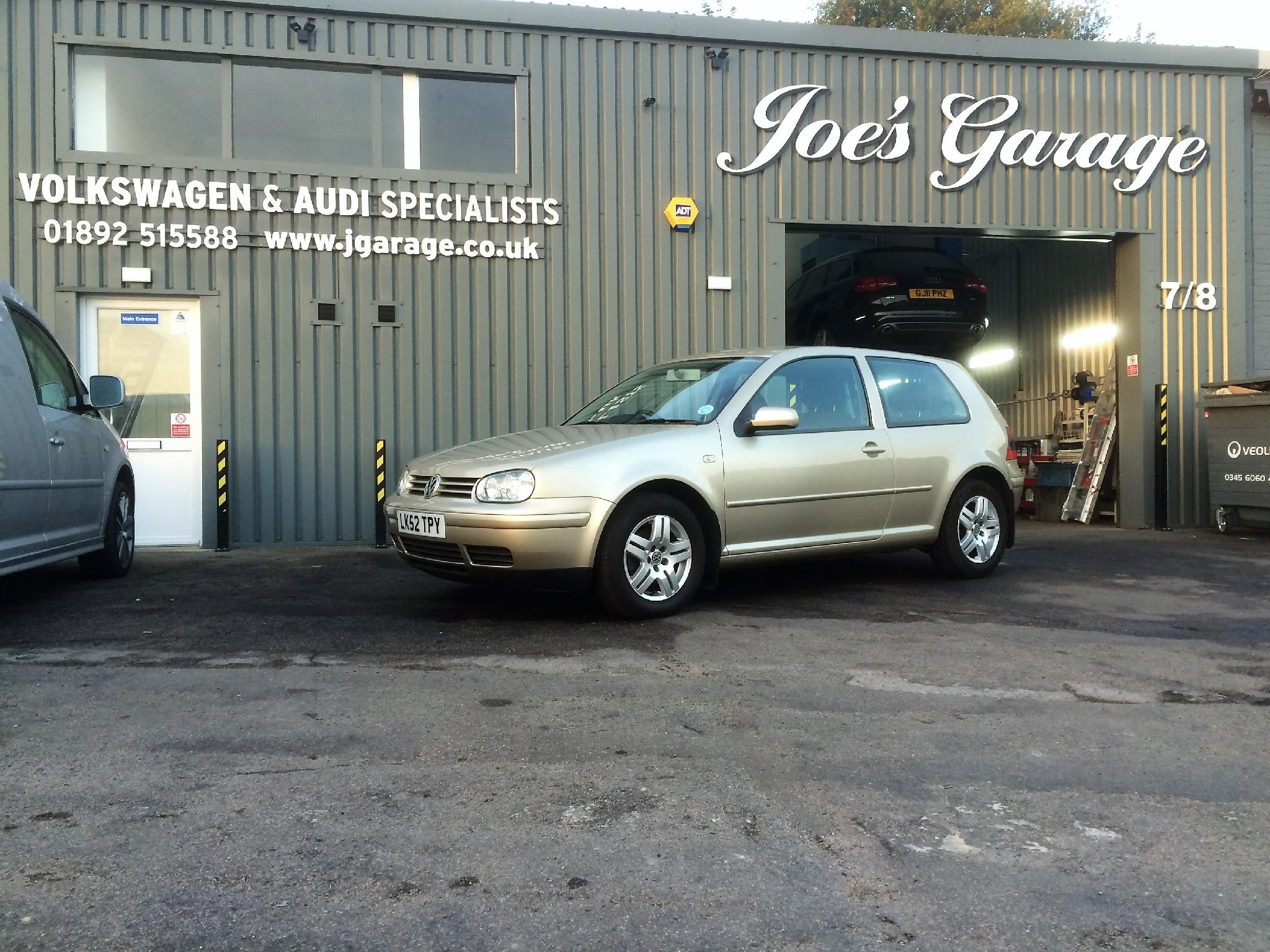 Joe 39 s garage volkswagen audi specialist motor vehicle for Garage volkswagen 92