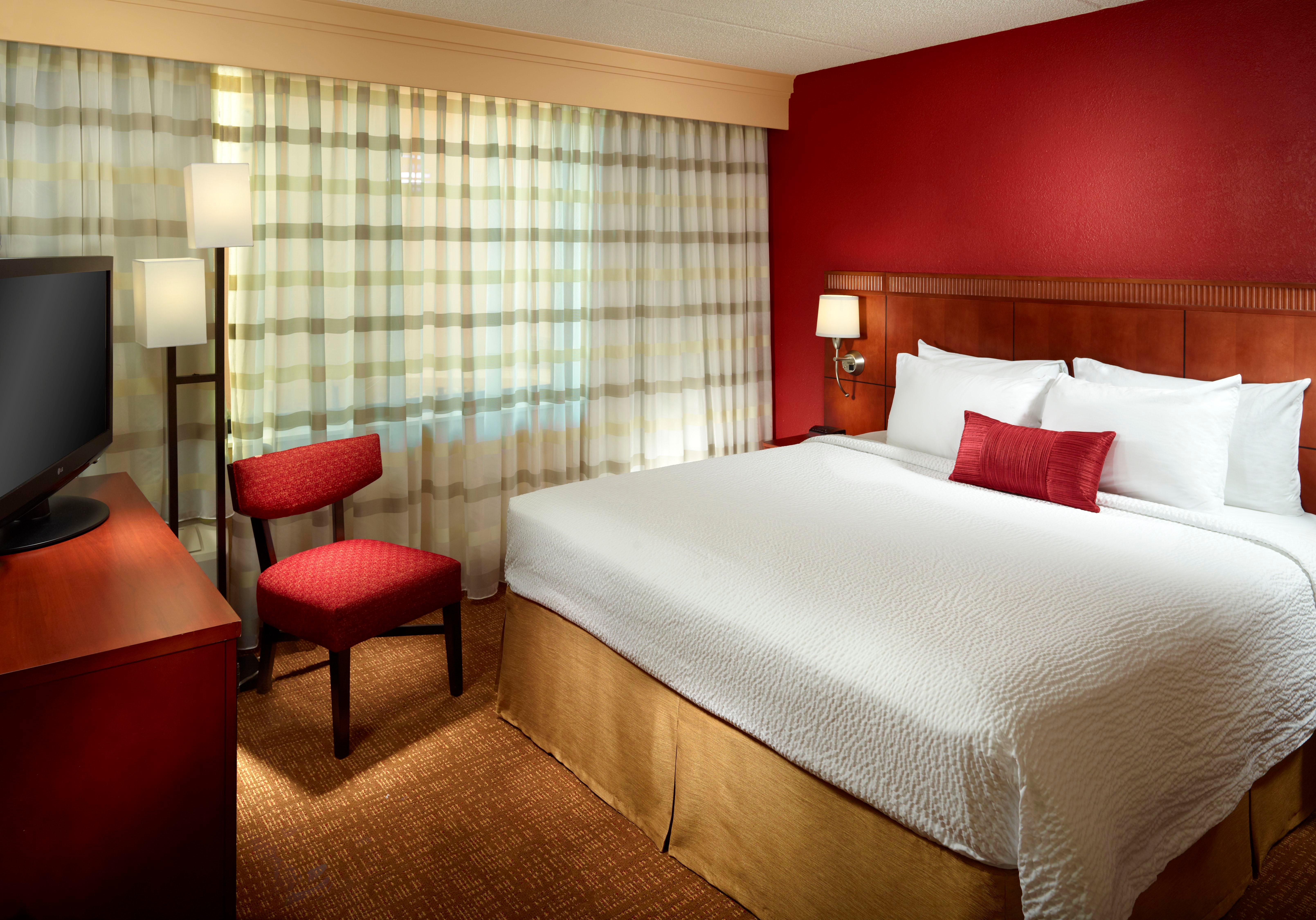 Courtyard by Marriott Columbus image 10