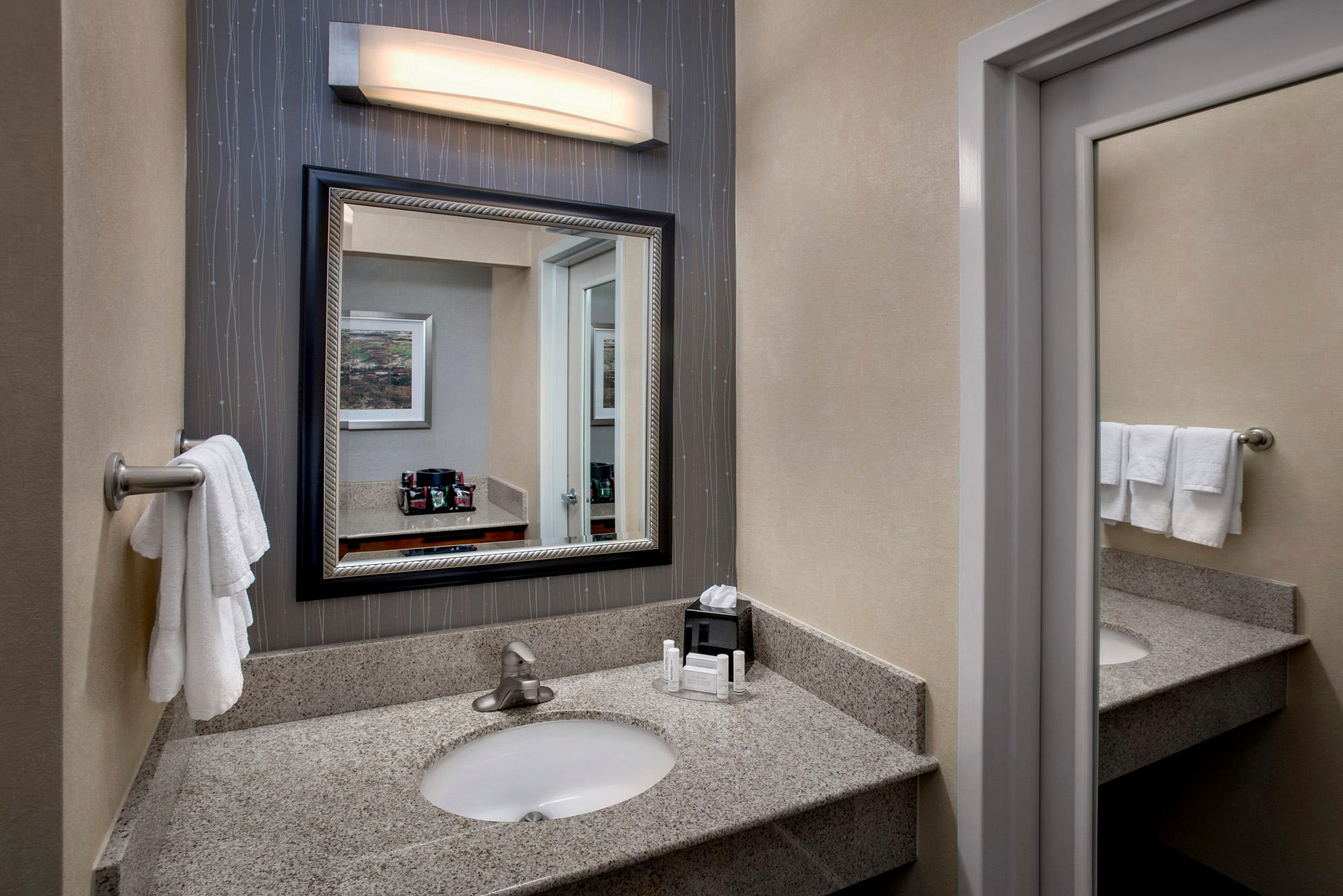 Courtyard by Marriott Boston Foxborough/Mansfield image 13