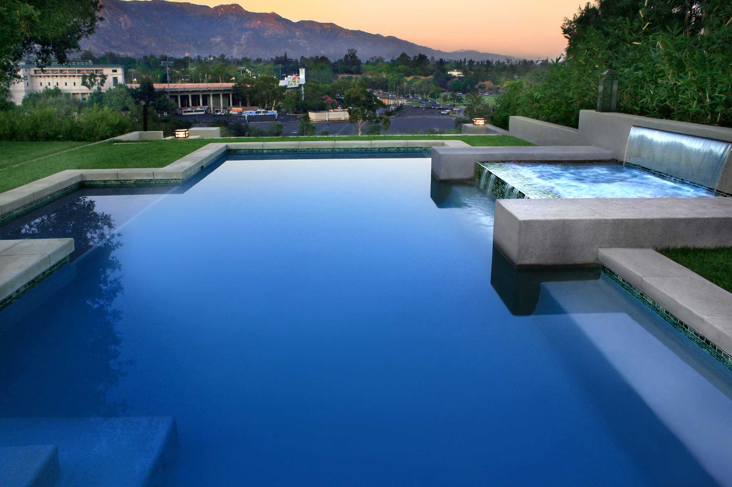 Infinity pool builders los angeles beverly hills ca for Pool design los angeles