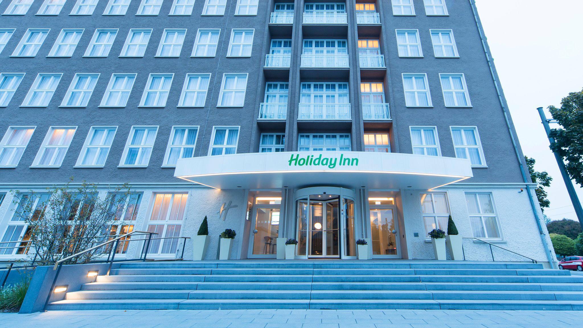 Holiday Inn Dresden - am Zwinger, Ostra-Allee 25 am Zwinger in Dresden