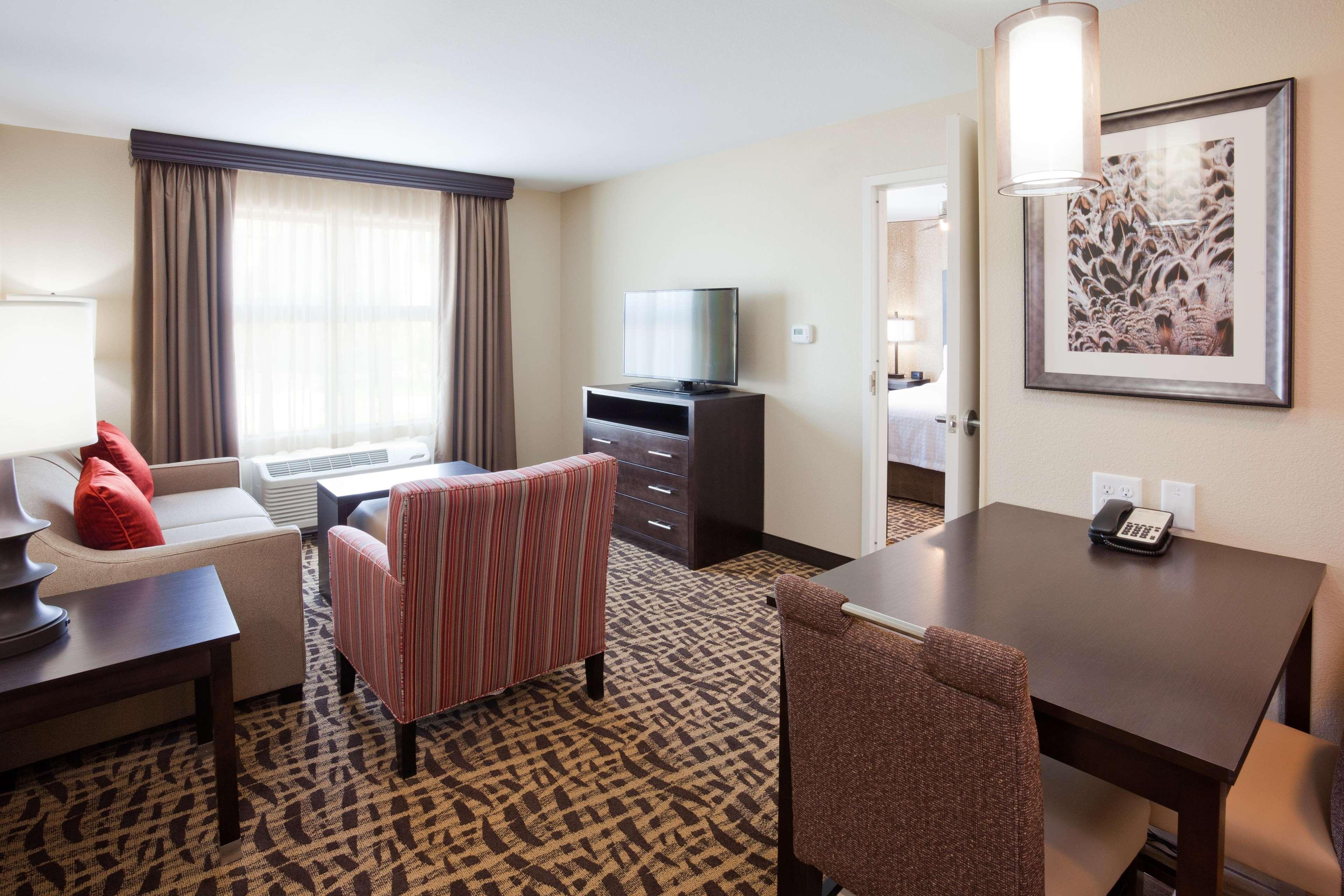 Homewood Suites by Hilton Davenport image 5