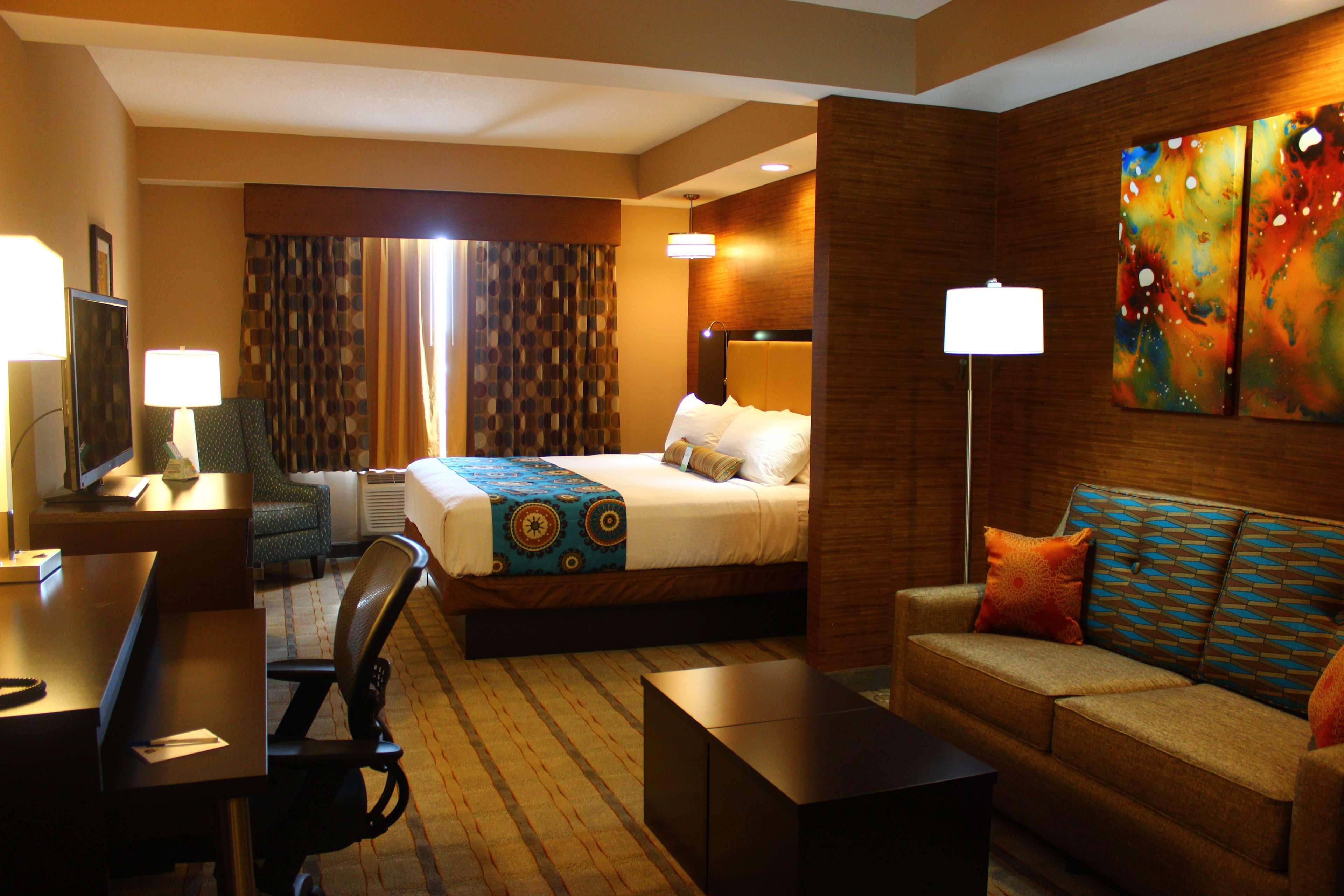 Best Western Plus Kendall Airport Hotel & Suites image 25
