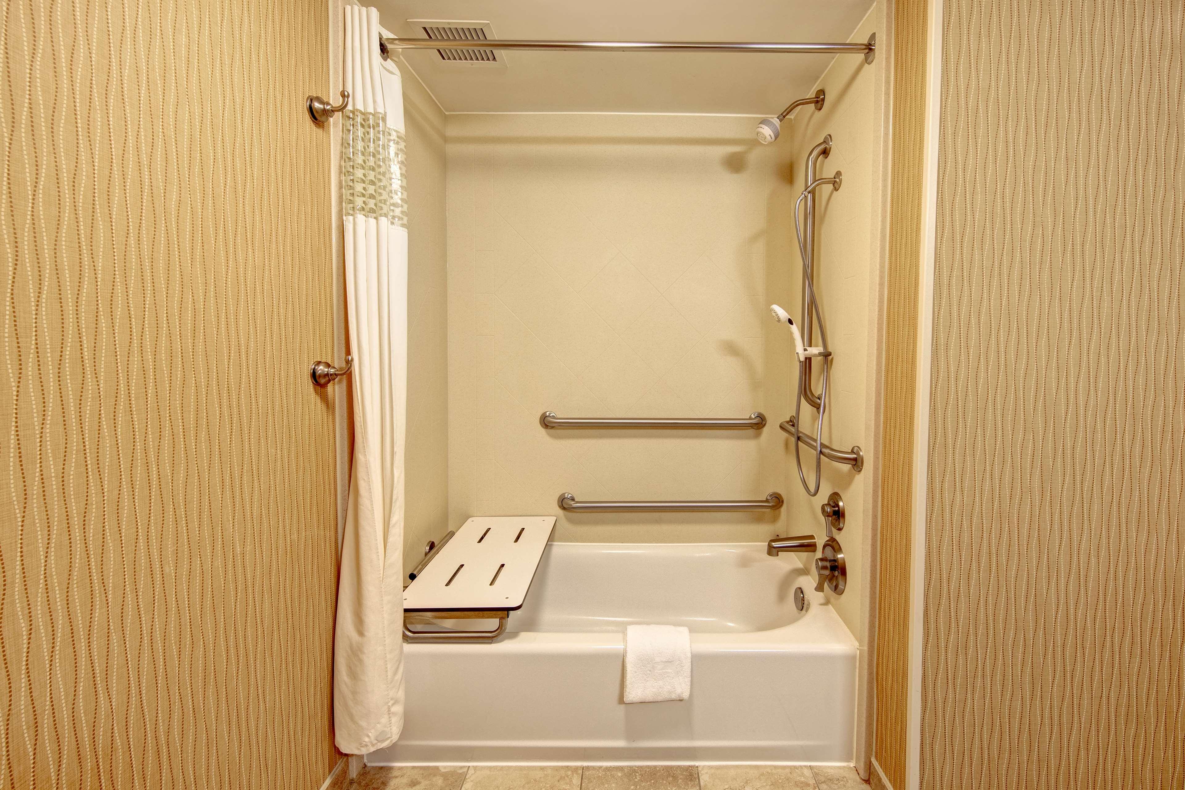 Hampton Inn Suites Minneapolis St Paul Arpt-Mall of America image 11