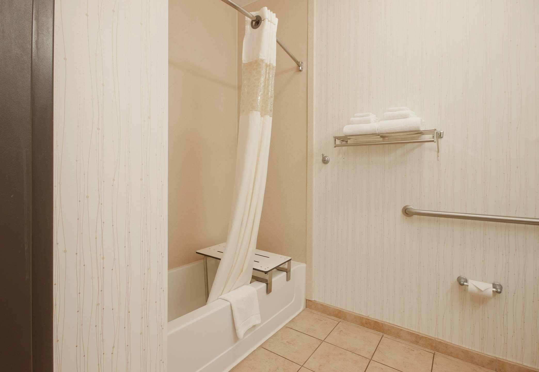 Accessible Guest Bath
