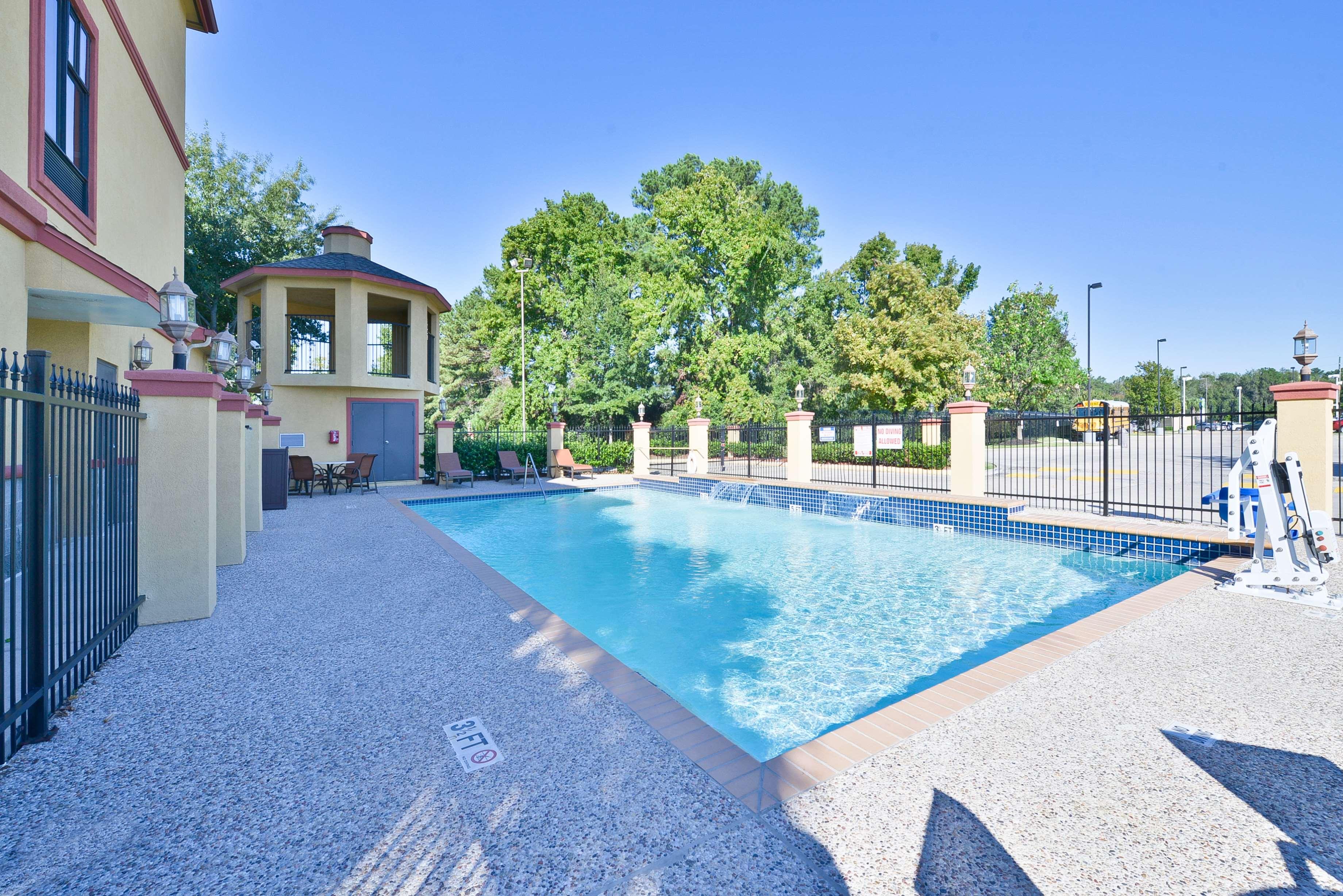 Best Western Plus North Houston Inn & Suites image 37