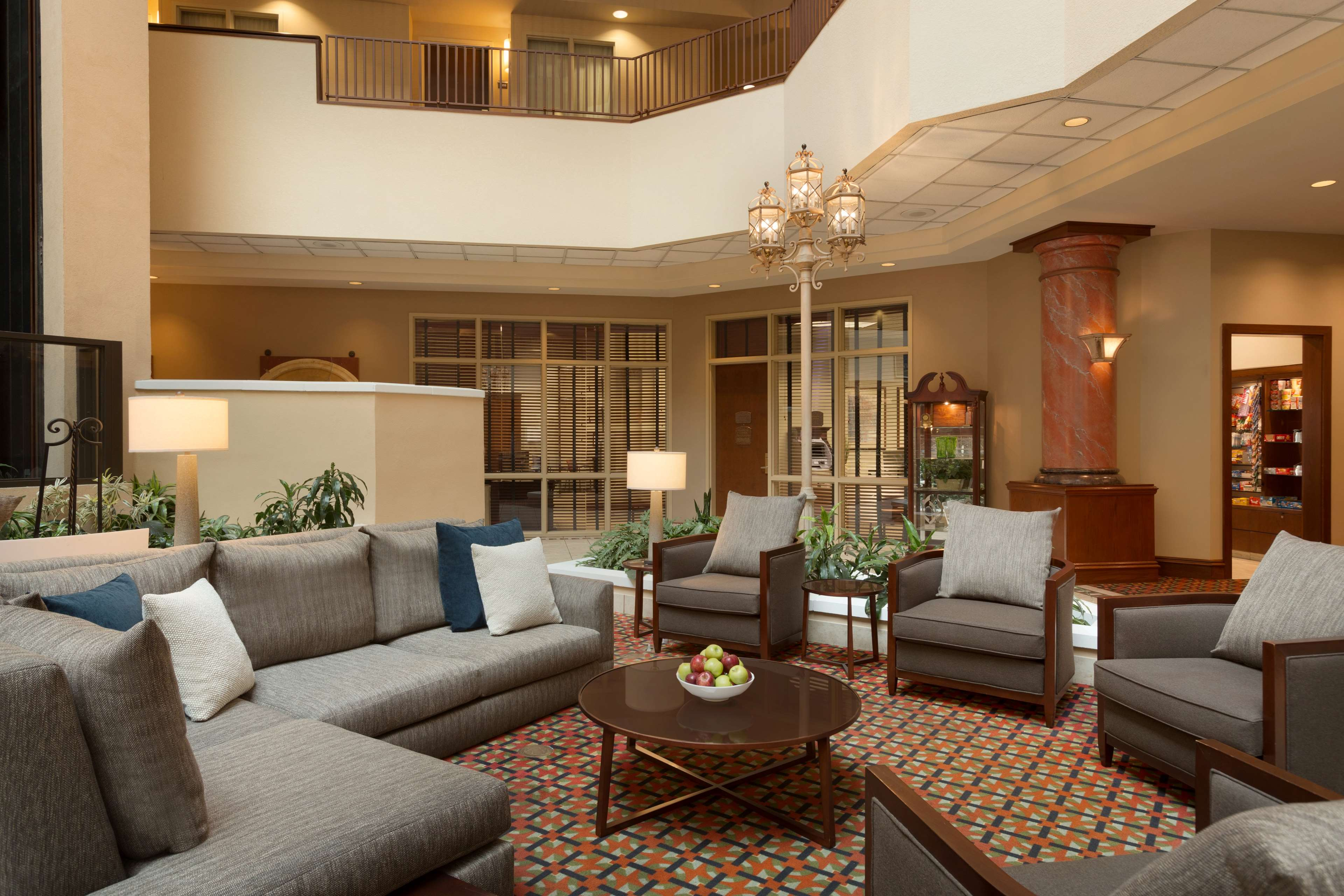 Embassy Suites by Hilton Charleston image 3