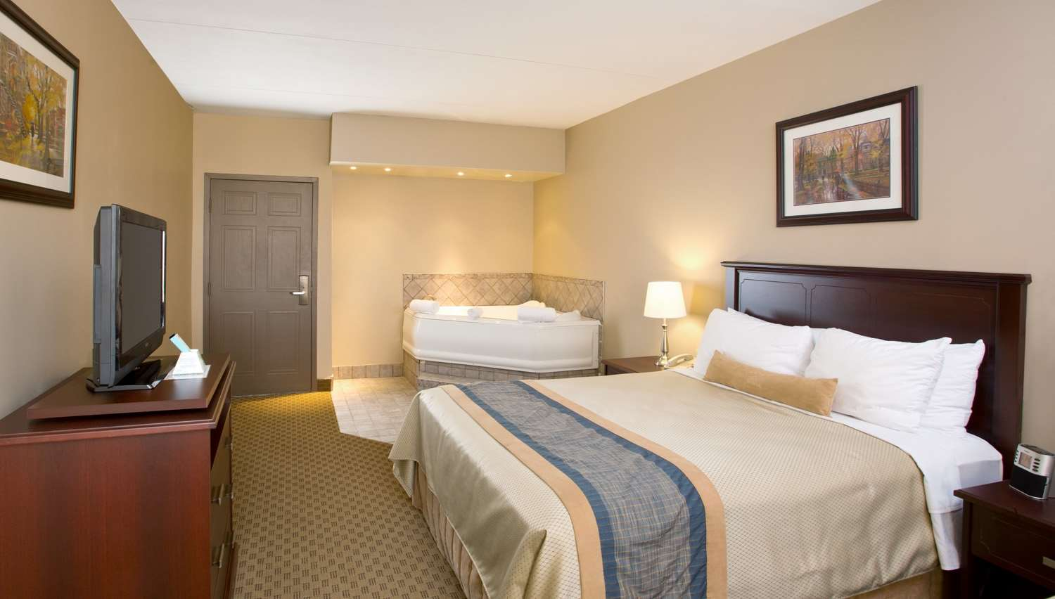 Best Western Laval-Montreal à Laval: Whirlpool Suite Queen