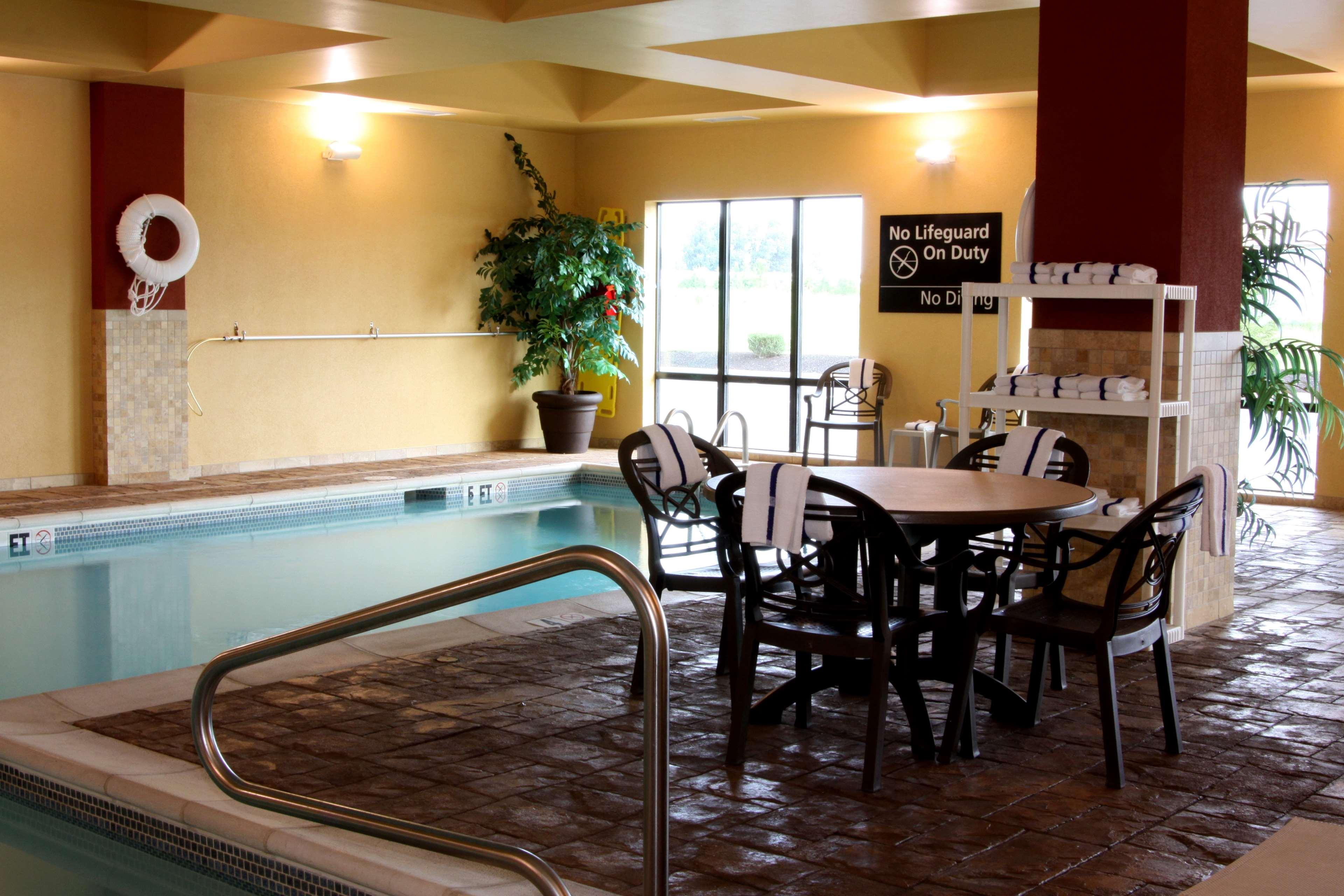 Hampton Inn & Suites Paducah image 6