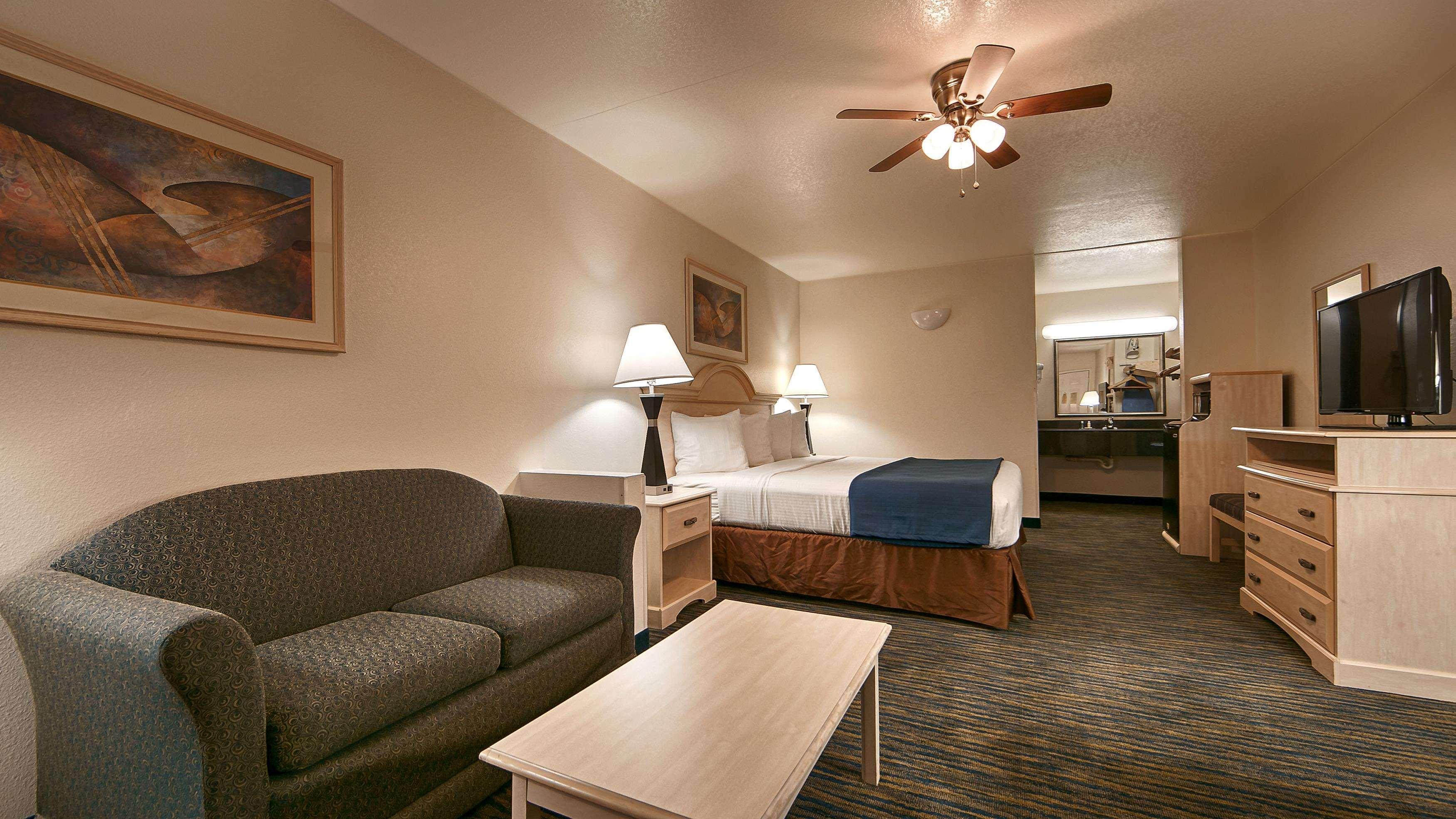 SureStay Hotel by Best Western Falfurrias image 48